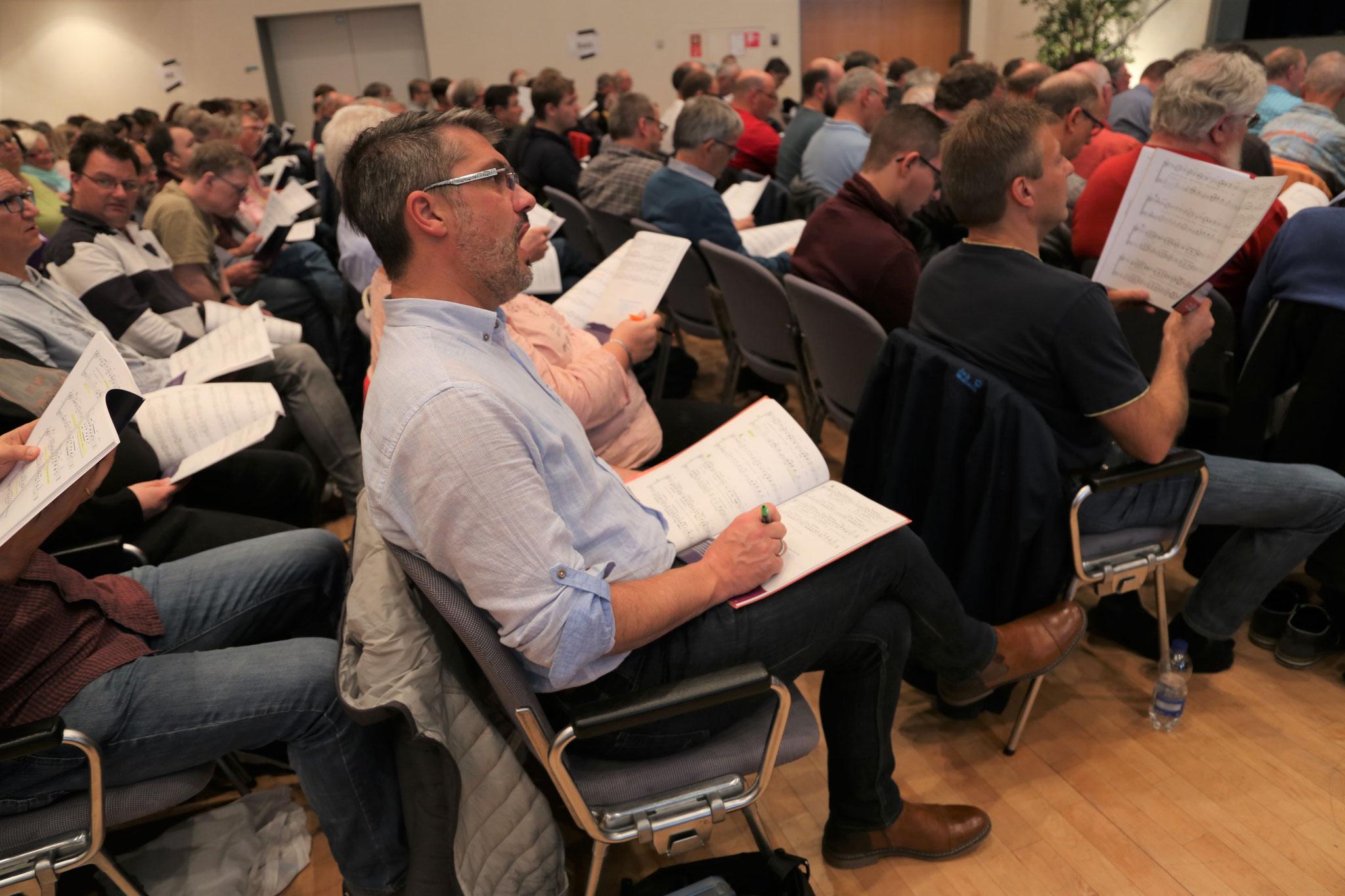 Erste gemeinsame Probe zum Chor-Musical KING in Wetzlar | Bild: Hartmann