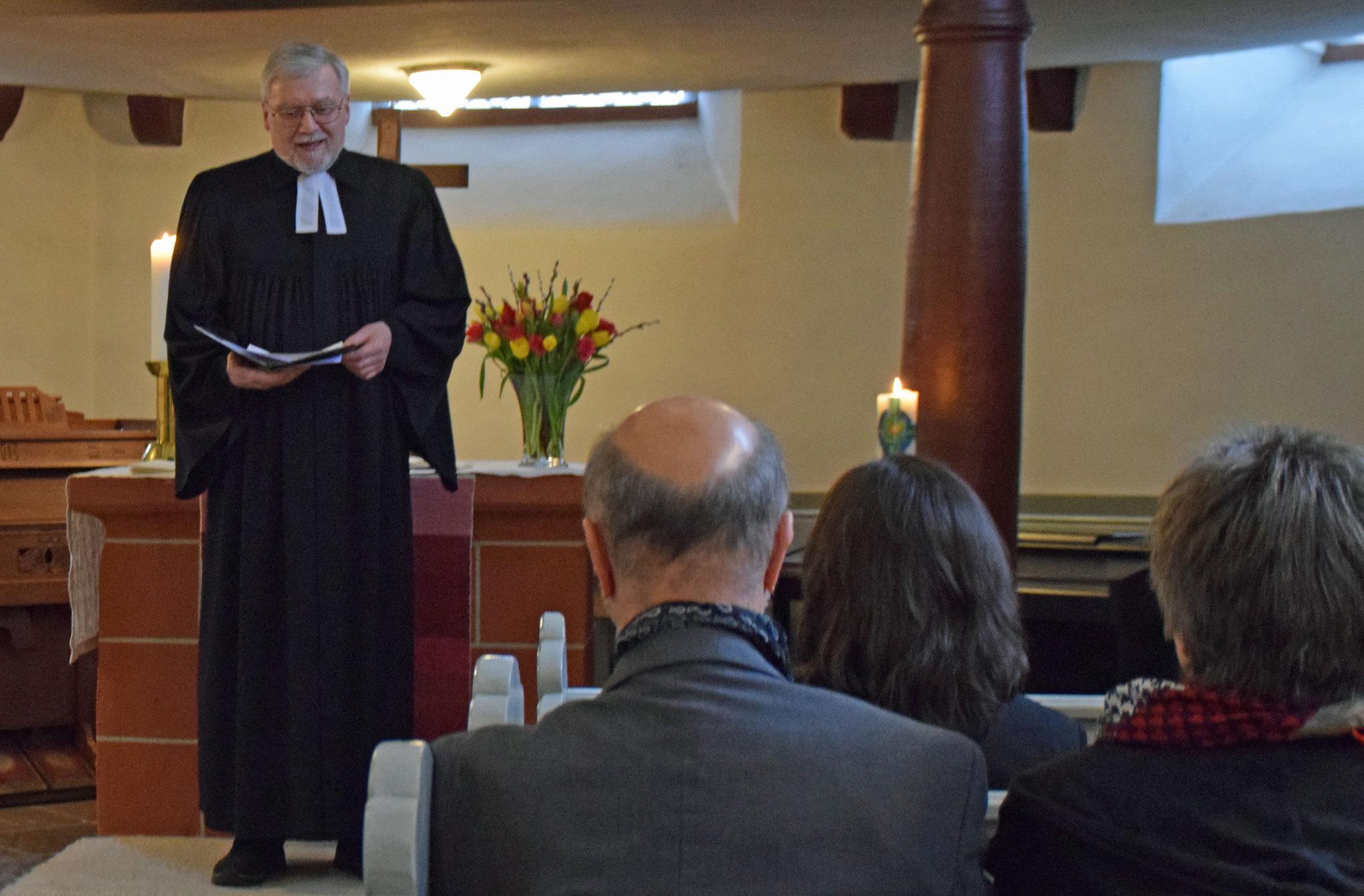 Ausbildungsleiter Wolfgang Keller bei seiner Ansprache. Foto: Gert Holle