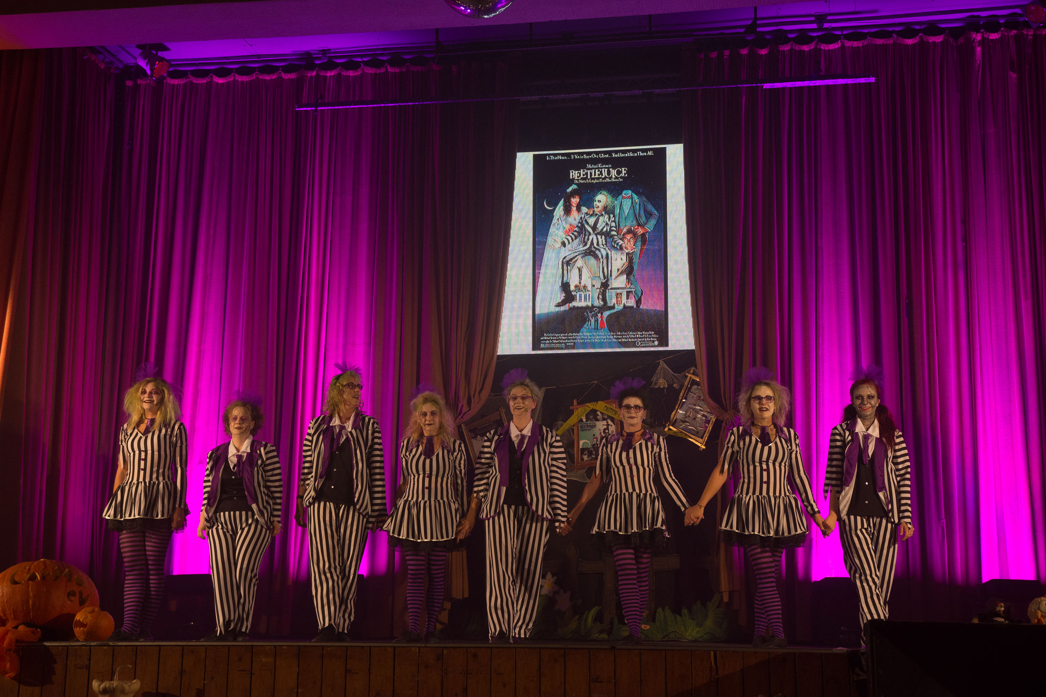 CarMa Line Dance Fans - Fun Kurs - Beetlejuice Medley