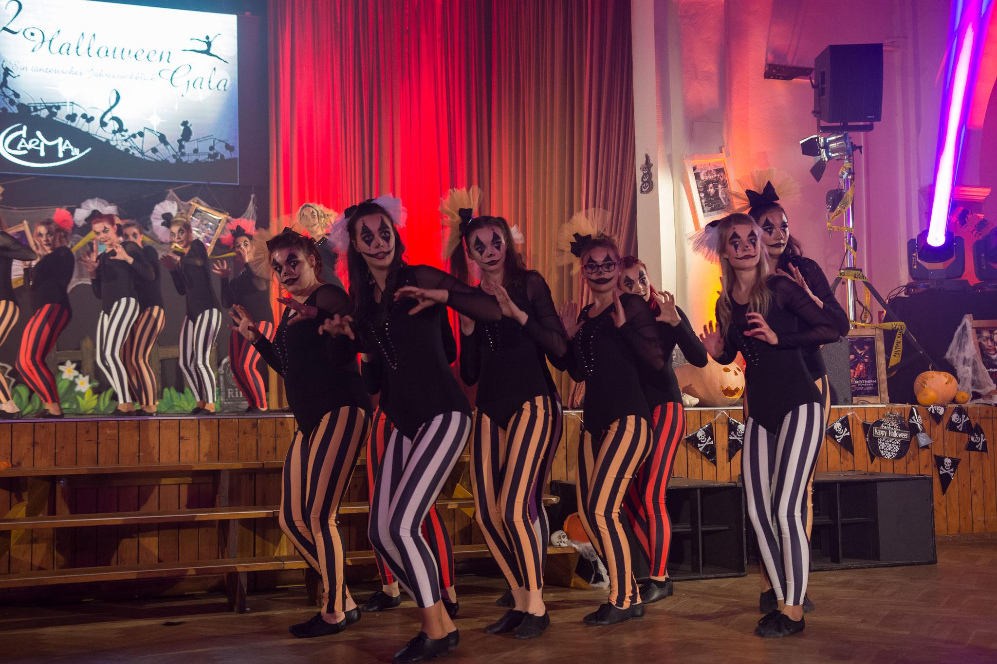 CarMa Chicks - This is Halloween