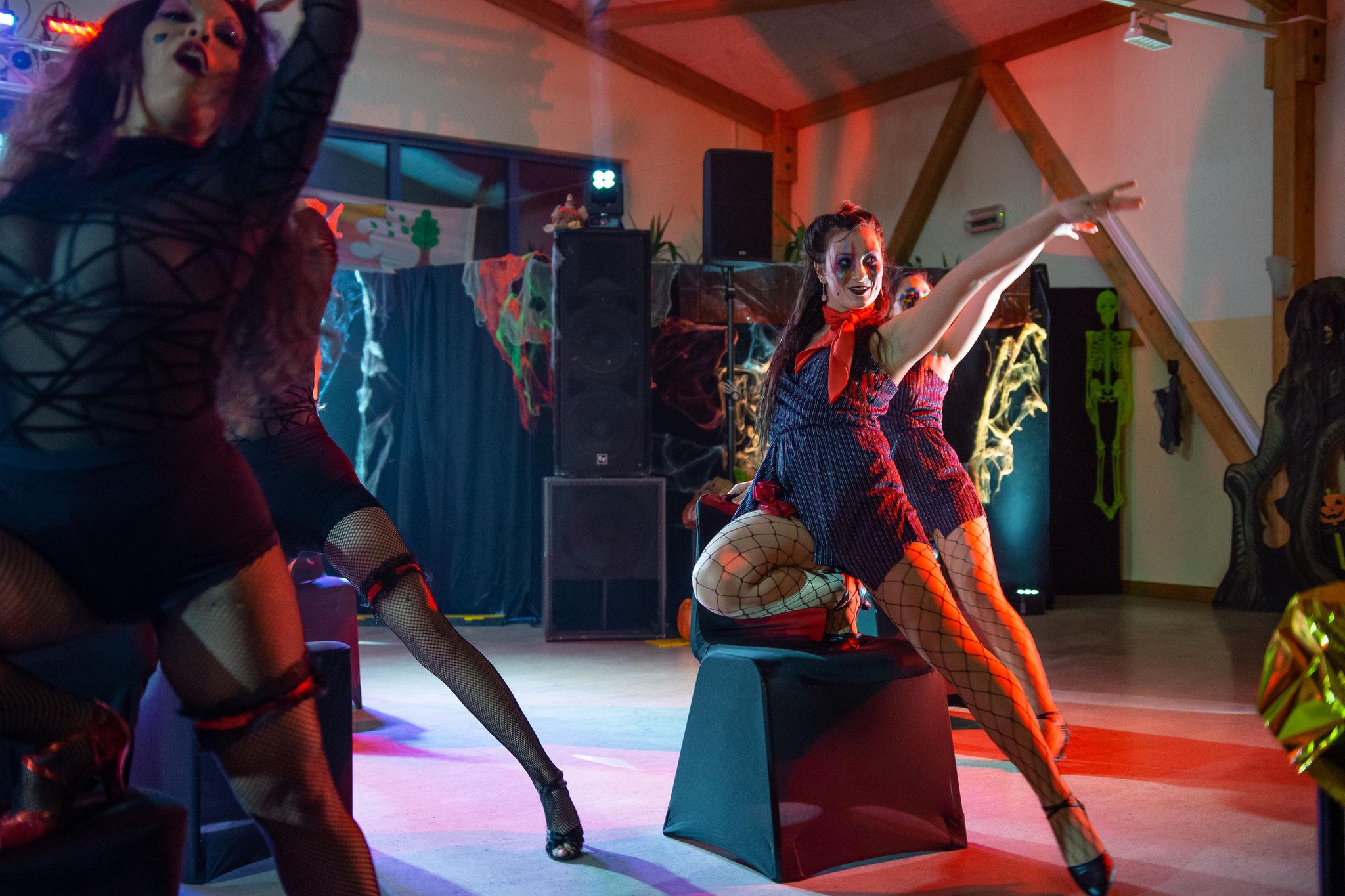 Tanzstudio Bailamos & CarMa Chicks - Stuhltanz