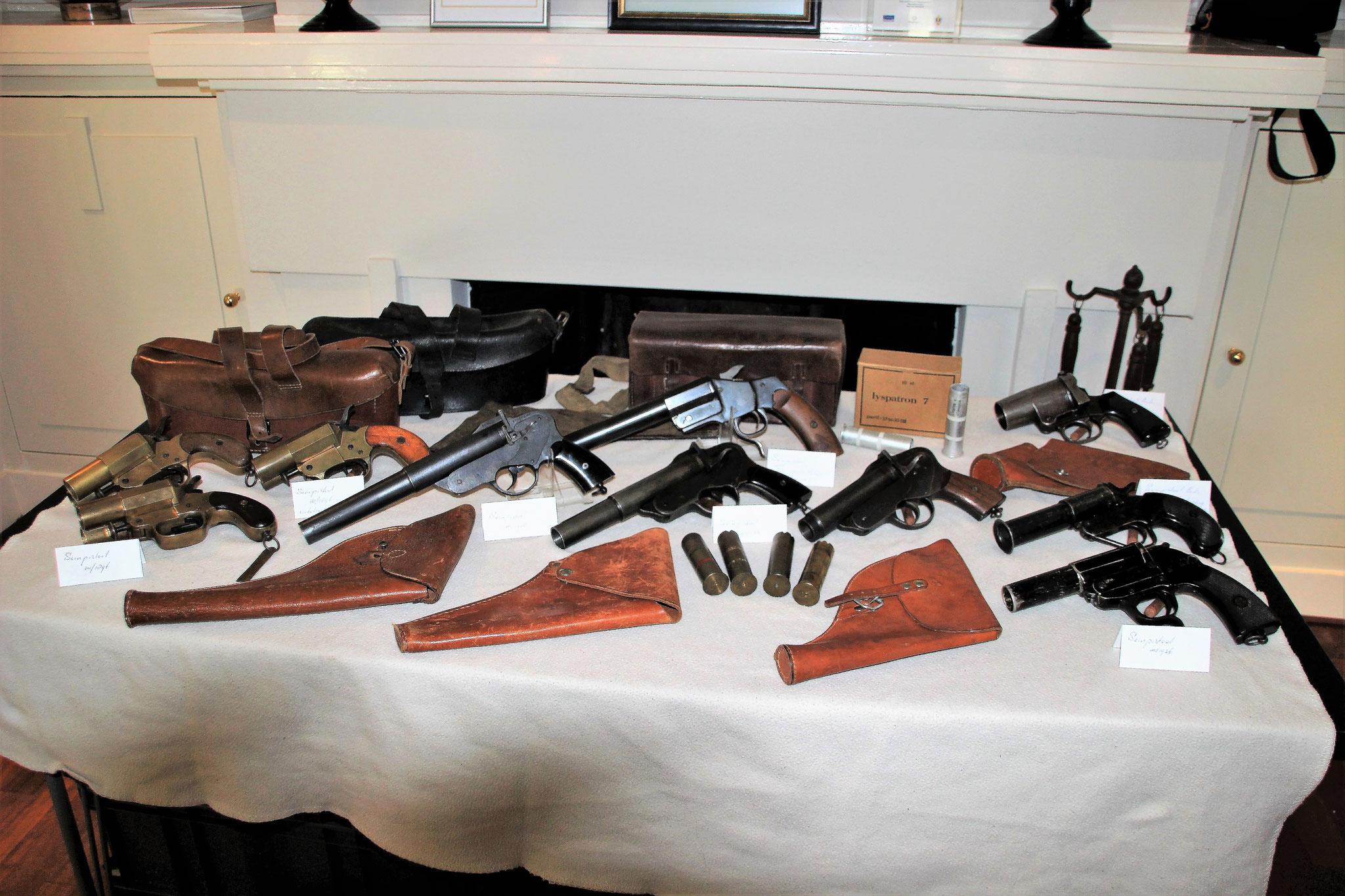 holsters en seinpistolen