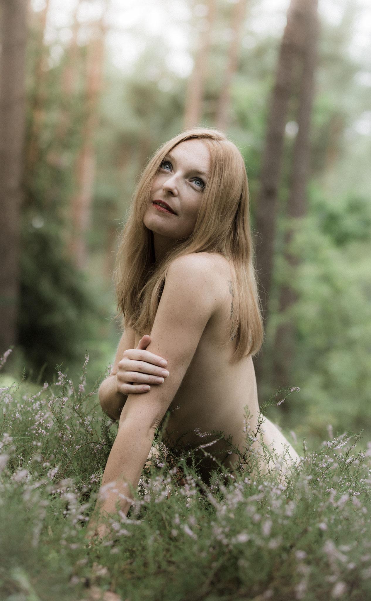 Künstlerische Aktfotografie von Fotograf für Akt und Unterwäschefotos - erotische Fotos Fürth