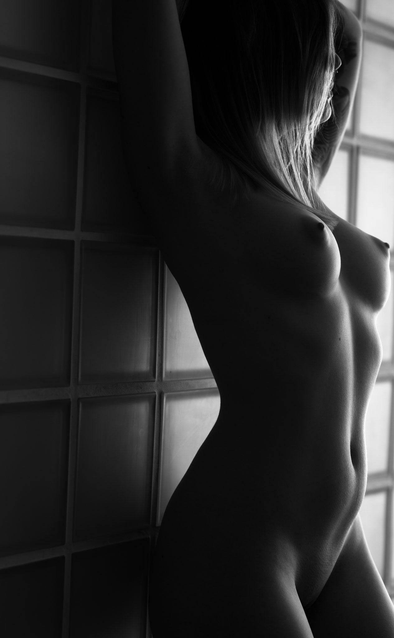 nude Photoshoot mit Kundin aus der nähe von Fürth und erotischer Akt Fotografie