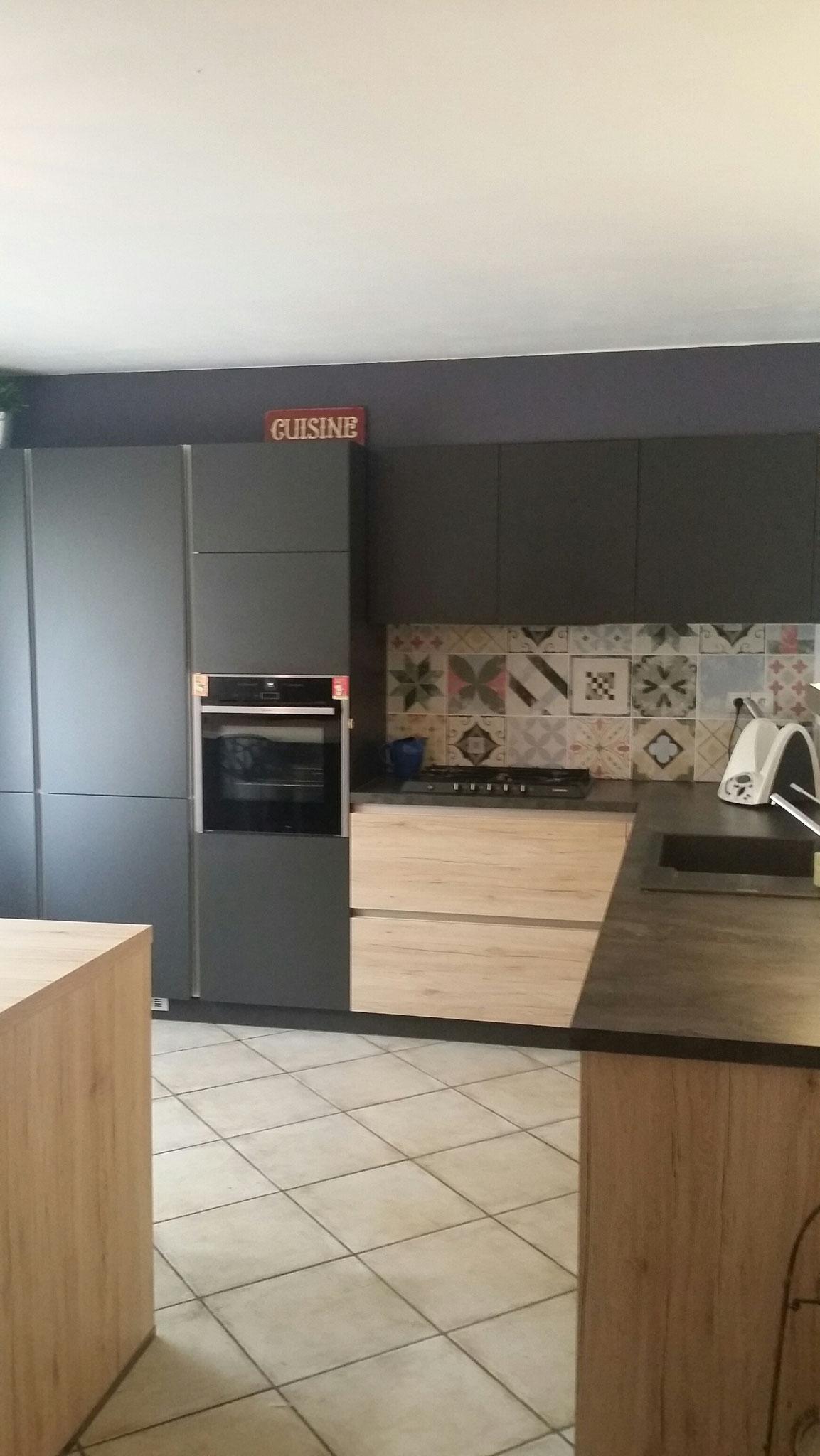 exemples de r alisations de cuisine toulouse balma blagnac colomiers cuisine interieur design. Black Bedroom Furniture Sets. Home Design Ideas