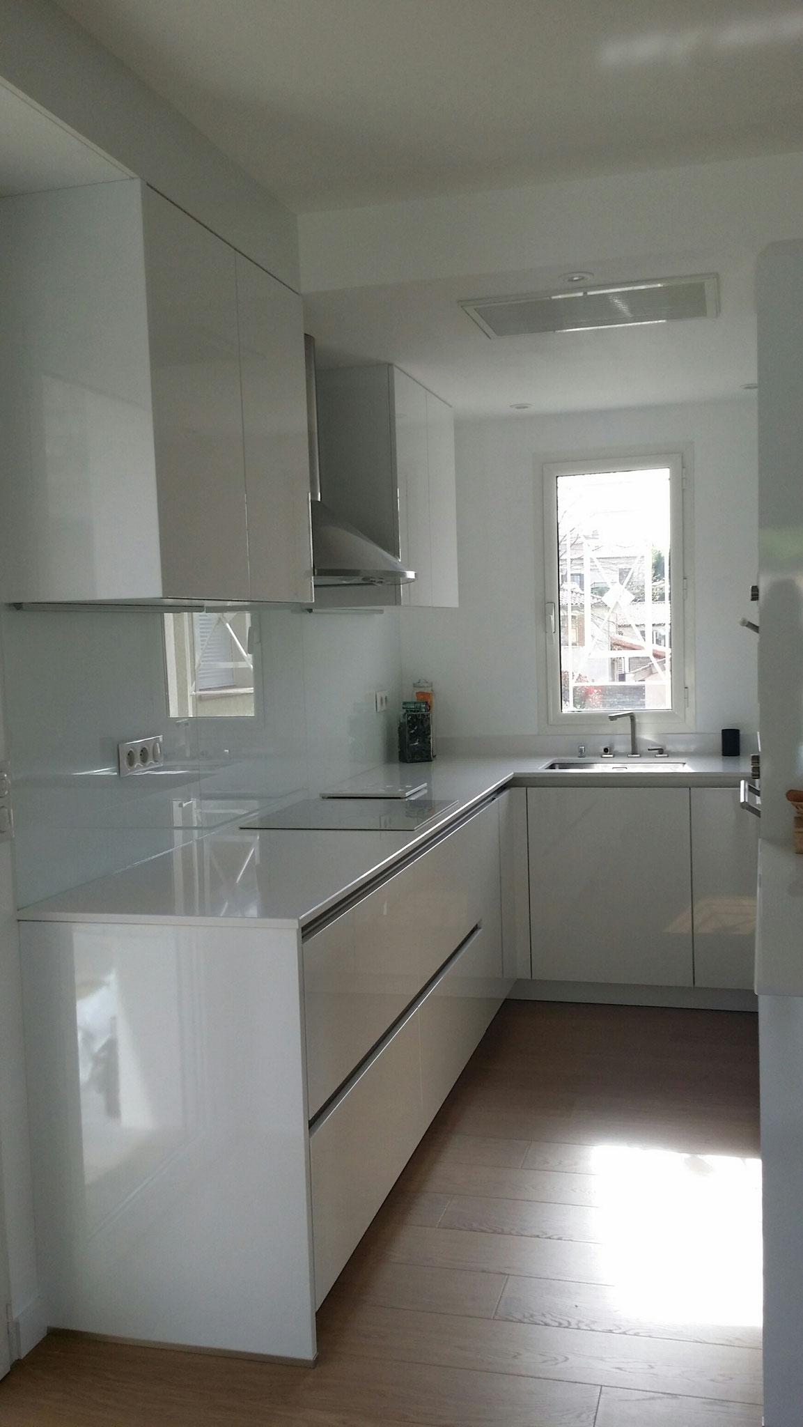 Détail de l'espace cuisine, agencement dans une surface réduite cuisine design Toulouse