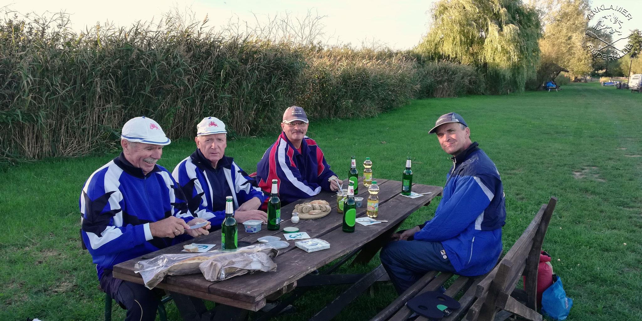 Picknick mit Kranichgeschrei