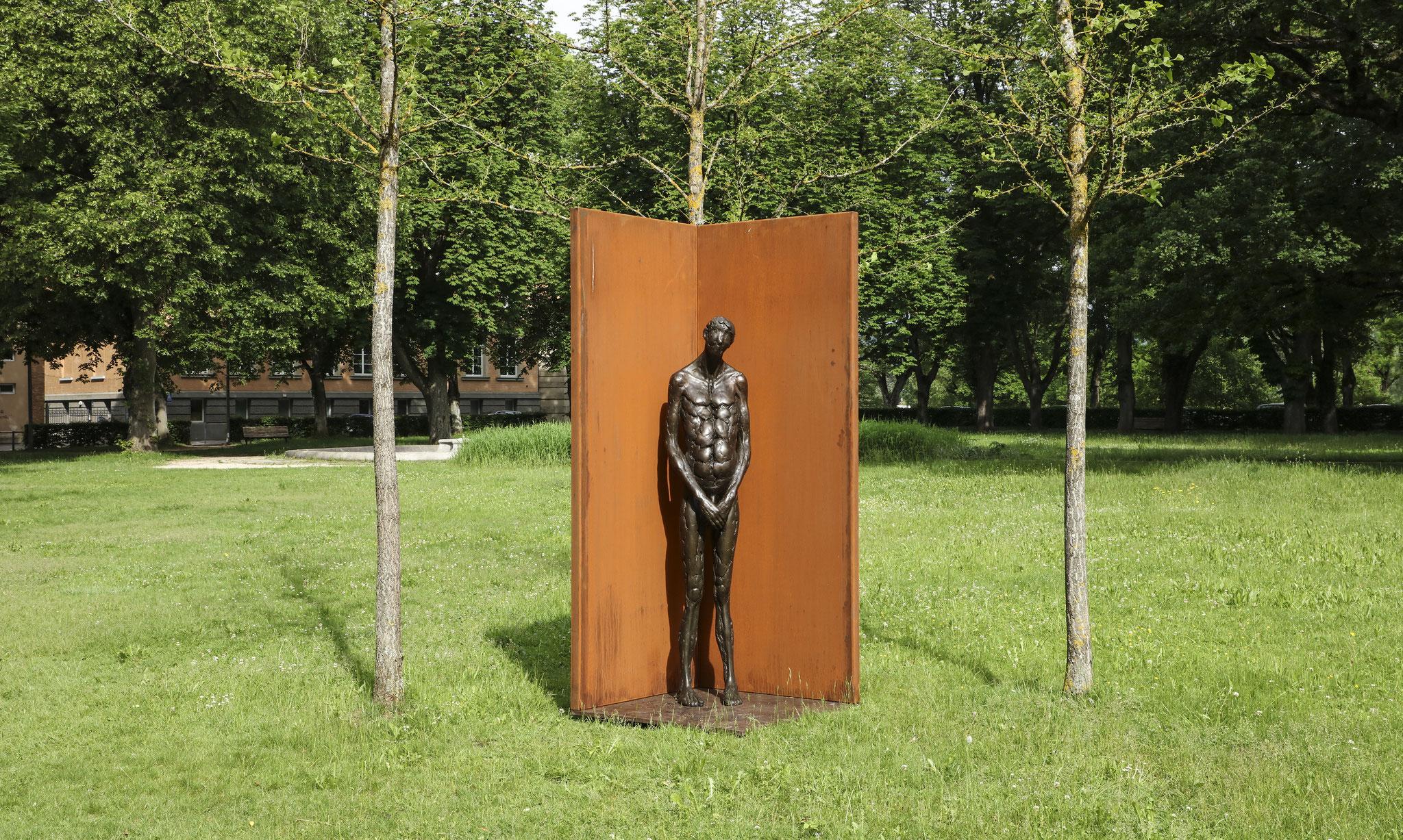 ROLAND MARTIN Der Kandidat, 1997/2019 Bronze, Corten