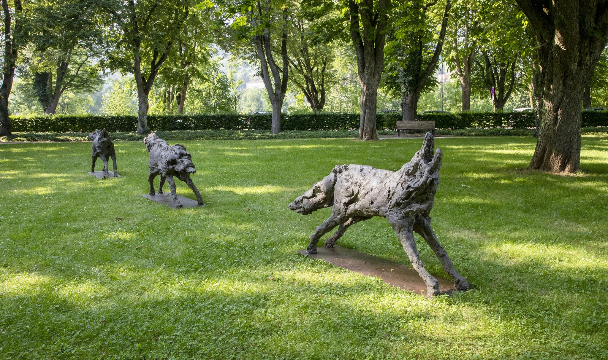 OLIVIER ESTOPPEY Des loups qui traversent la nuit, 2009-2010, Beton, 3 Teile