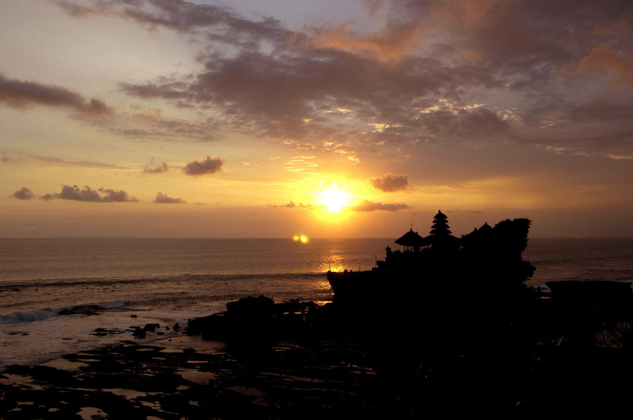 Sonnenuntergang beim Tanah Lot Tempel