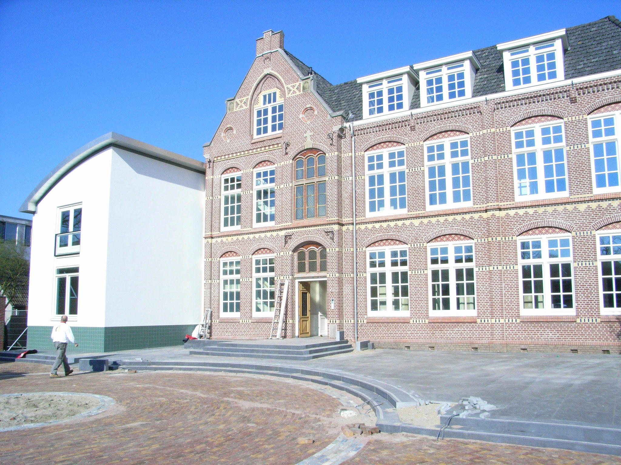Verbouw van monumentaal klooster tot 5 luxe appartementen. Werkzaamheden: Projectmanagement en bouwkundig tekenwerk. Opdrachtgever: O.G Beheer B.V.