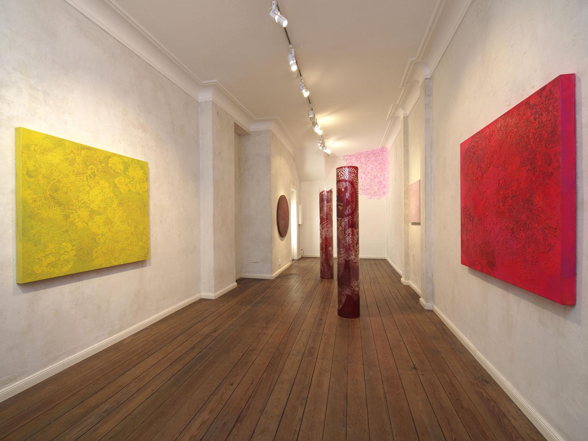 """""""Tempelspur"""", 2012, 120 x 120 cm, Öl auf Leinwand, Ausstellungsansicht: """"Tomorrowland"""", Nachtspeicher, Hamburg, 2012"""