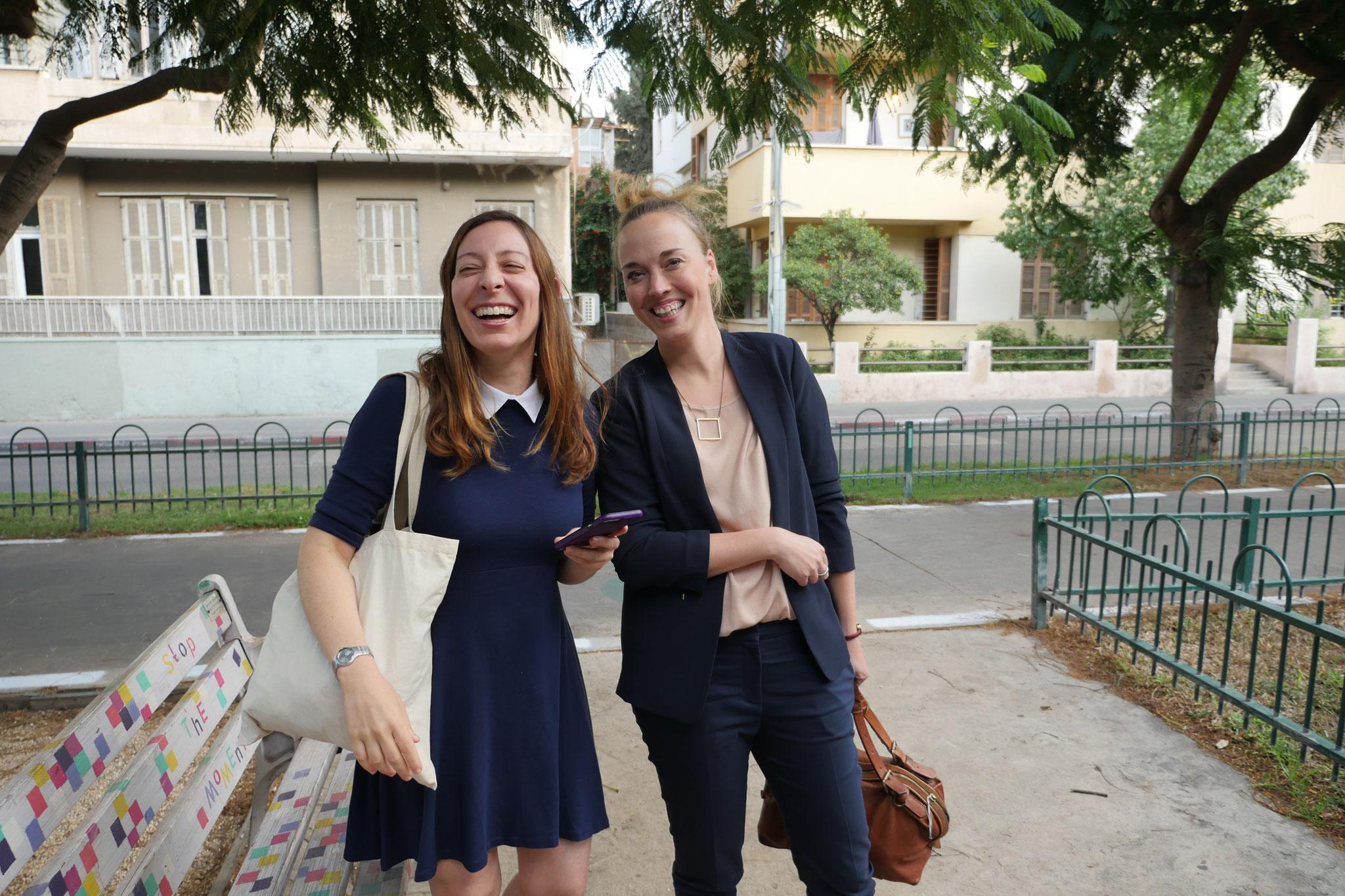 Redakteurin Maresa Wolbert (re.) und Gründerin Jenny Drezin