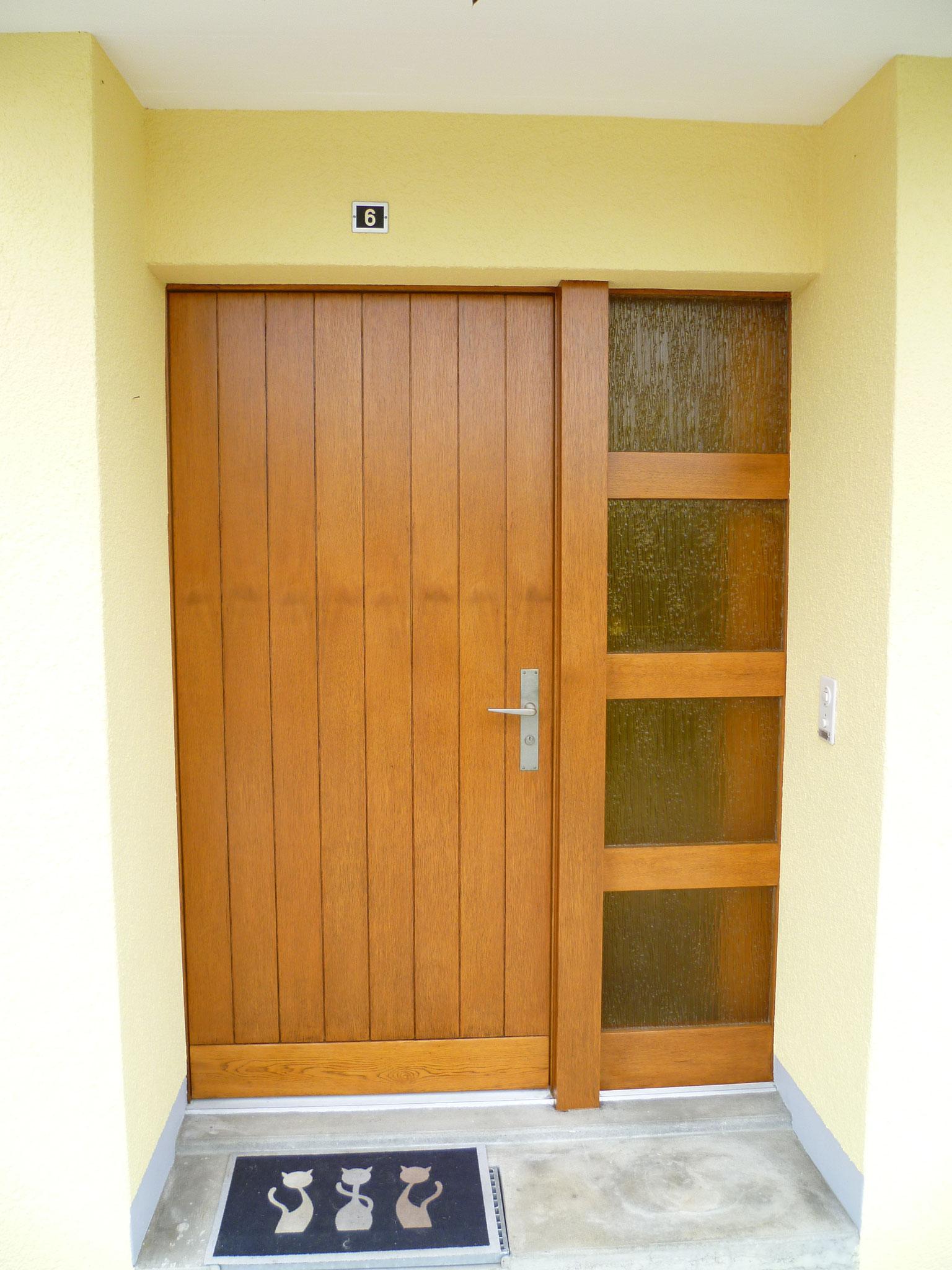 Aus alt mach neu: Diese Haustüre erstrahlt in neuem Glanz – Seftigen