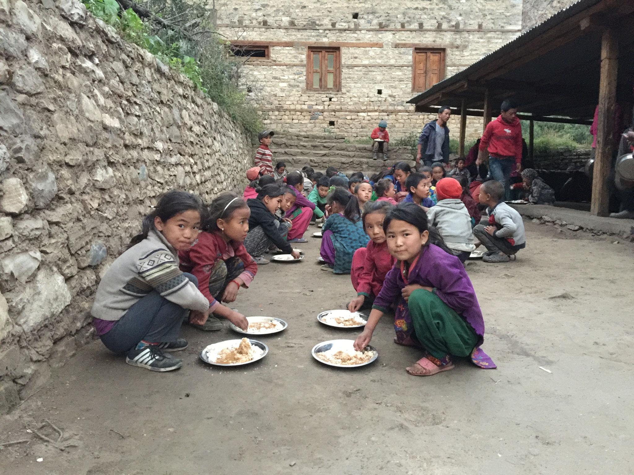 Essen in Tapriza Schule