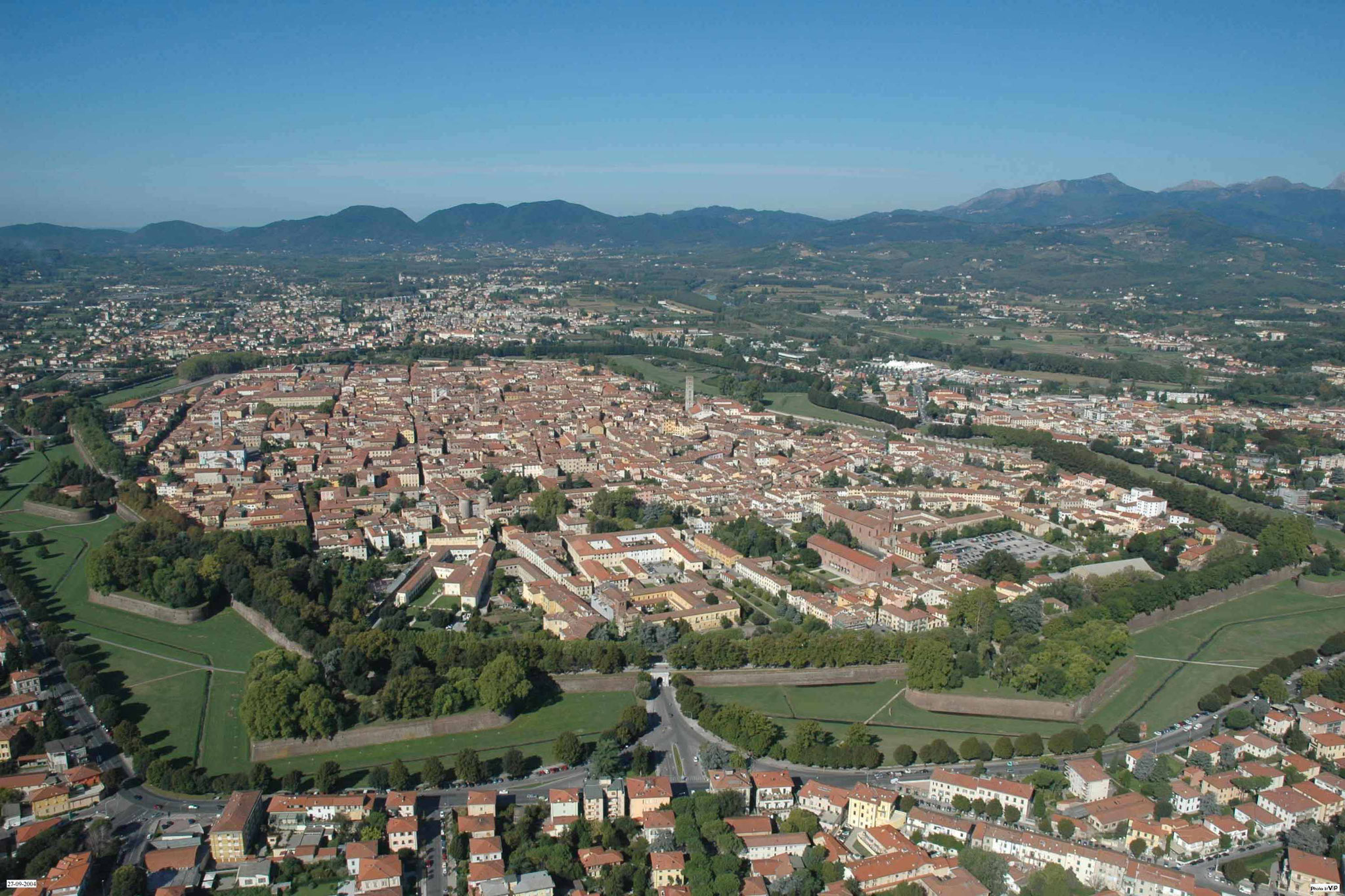 Im Schatten Pisas aber mindestens genauso schön: das reizende Lucca
