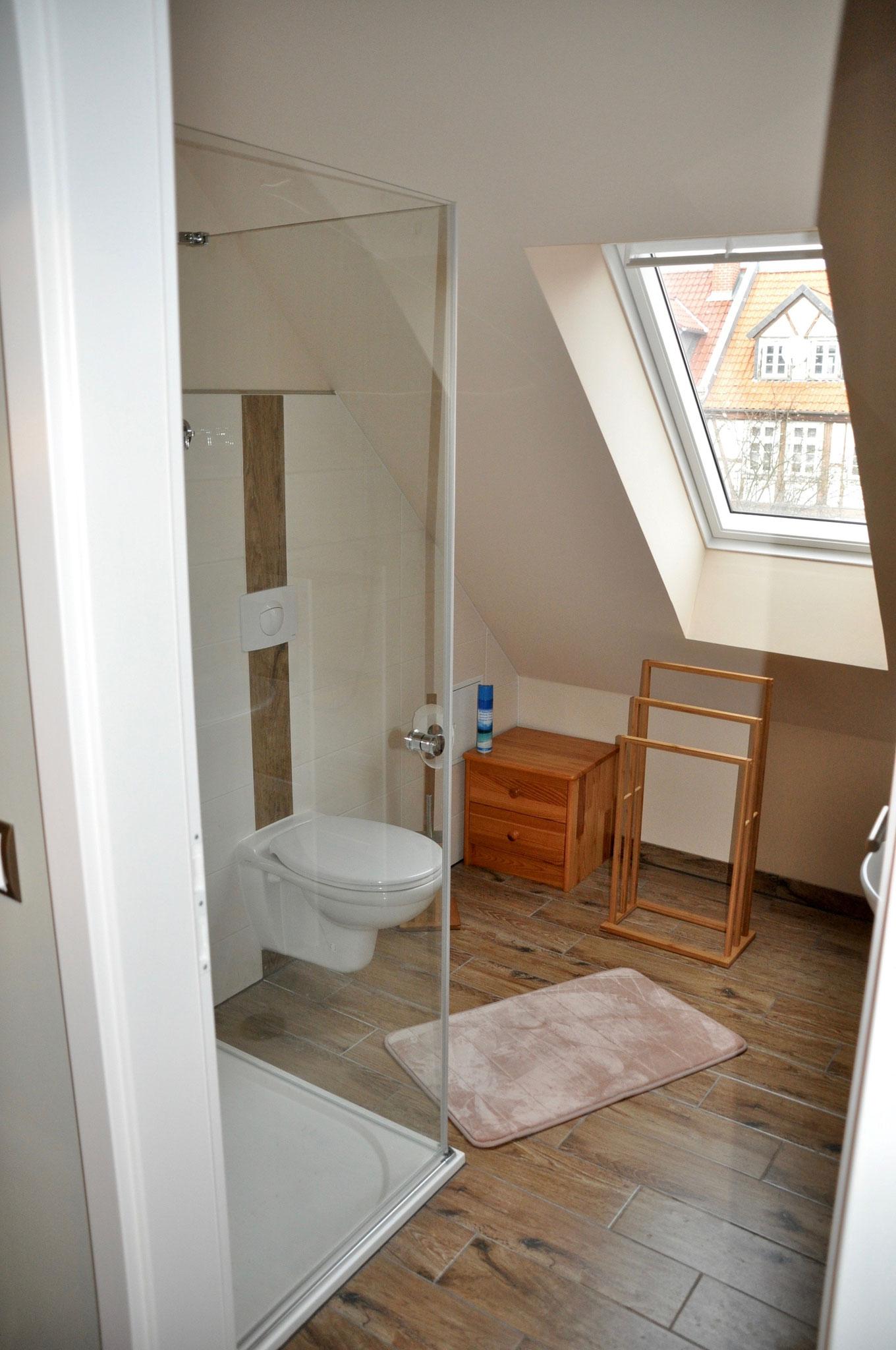 Badezimmer Dachgeschoß WC/ Dusche
