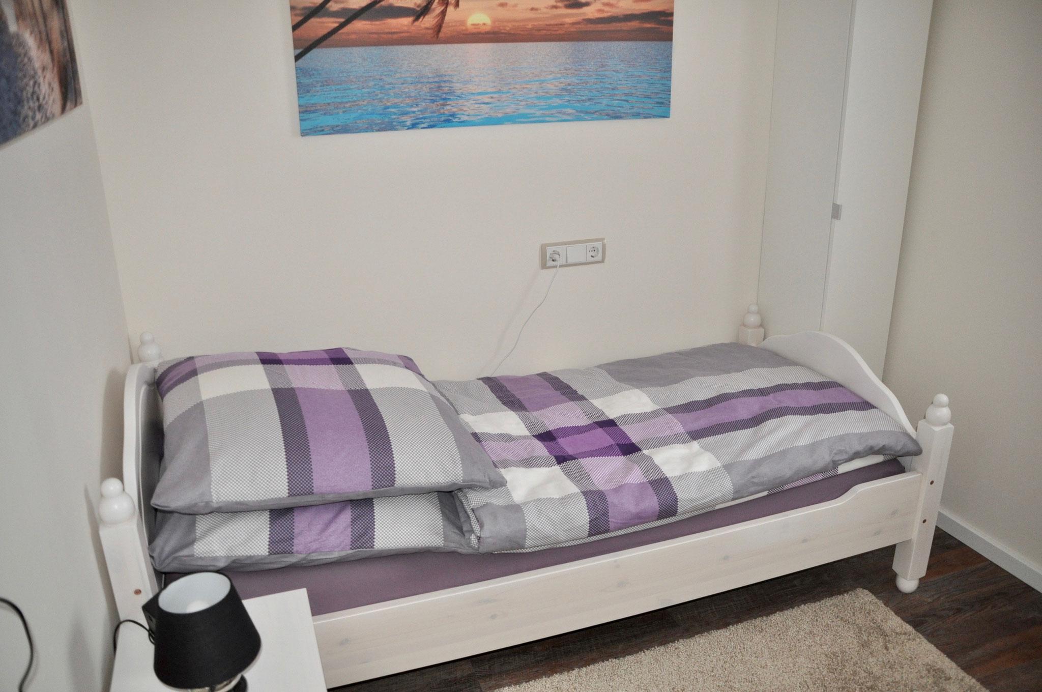 Bett Zimmer 2