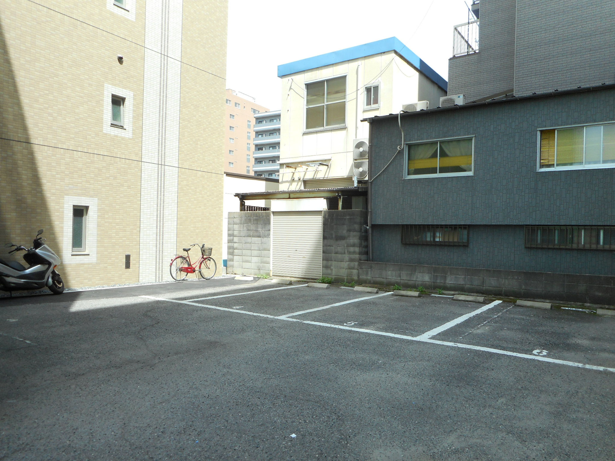 駐車場(6台)