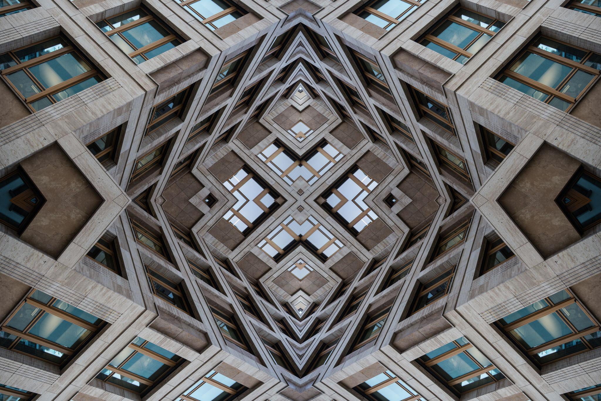Symétrie architecturale, Berlin, 2019, Léo Derivot