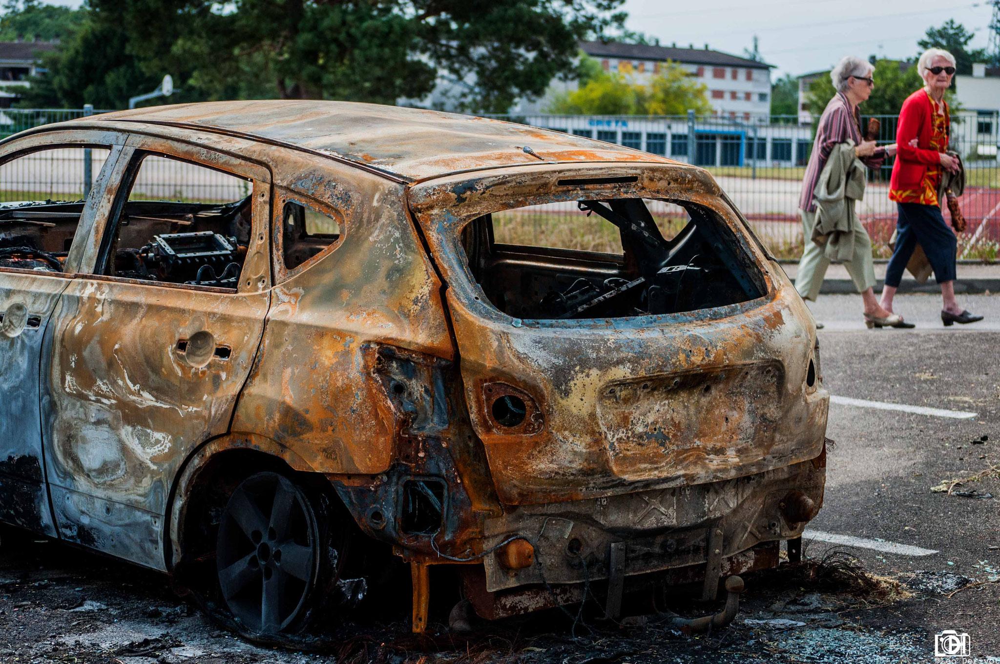 Voiture incendiée, France, 2017