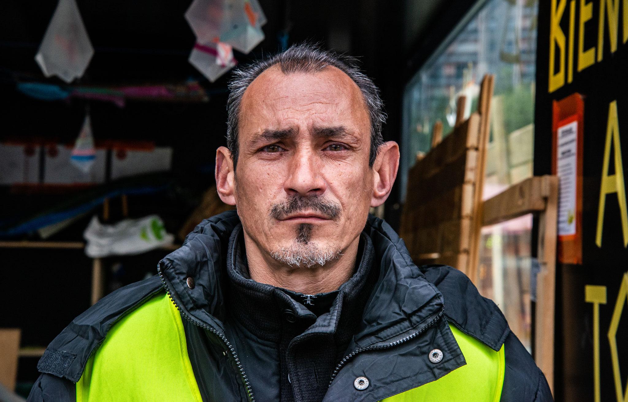 Michel, cabane des Gilets jaunes Place des fêtes, Paris, 2019
