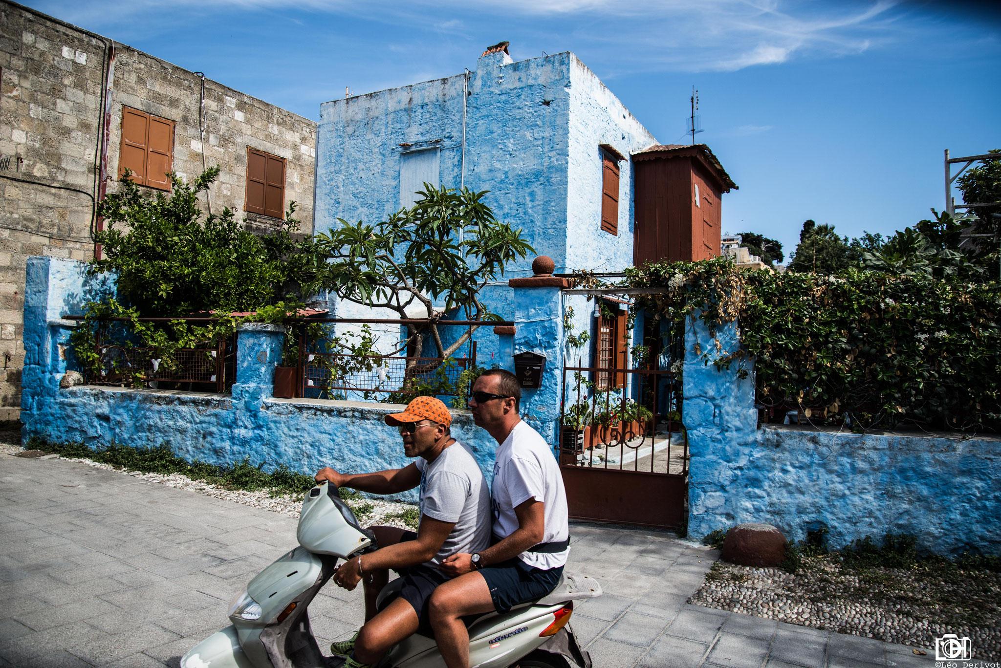 Hommes au scooter, Grèce, 2016