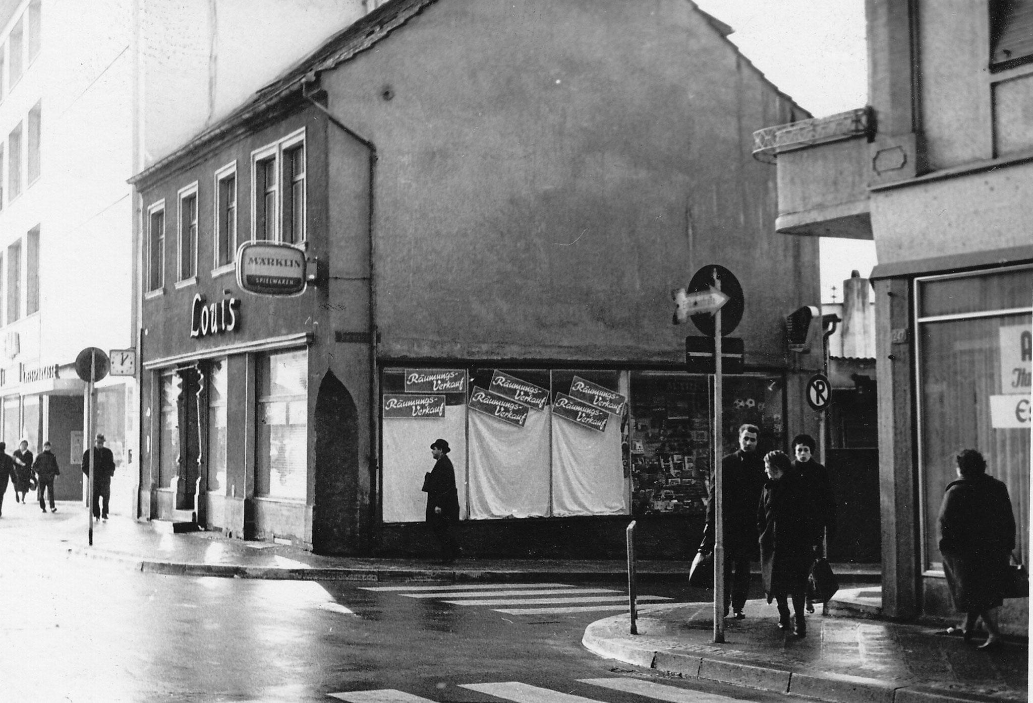 Geschäft von Franz Louis 1967 vor Abriss