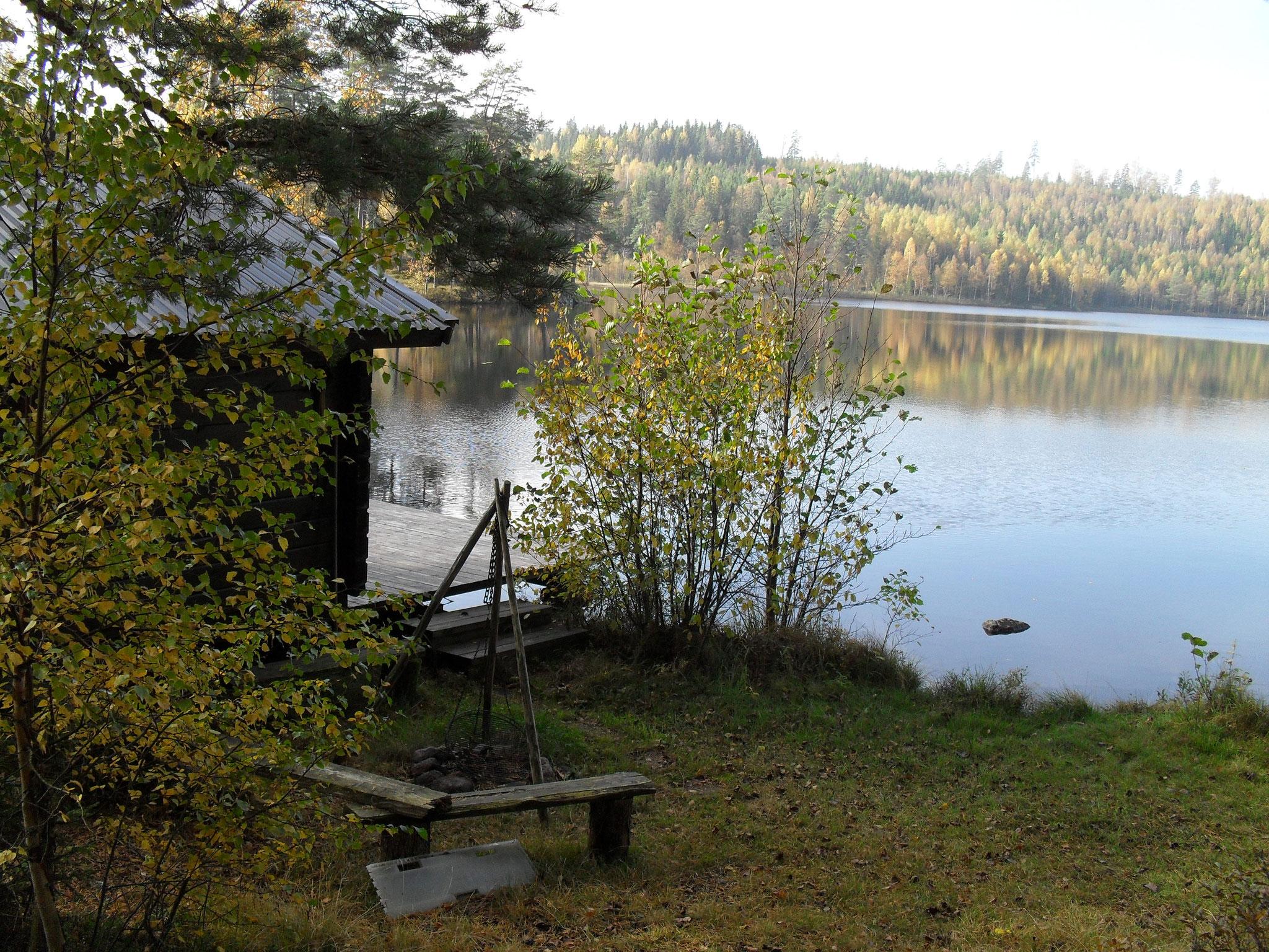 Die Sauna mit Grillplatz