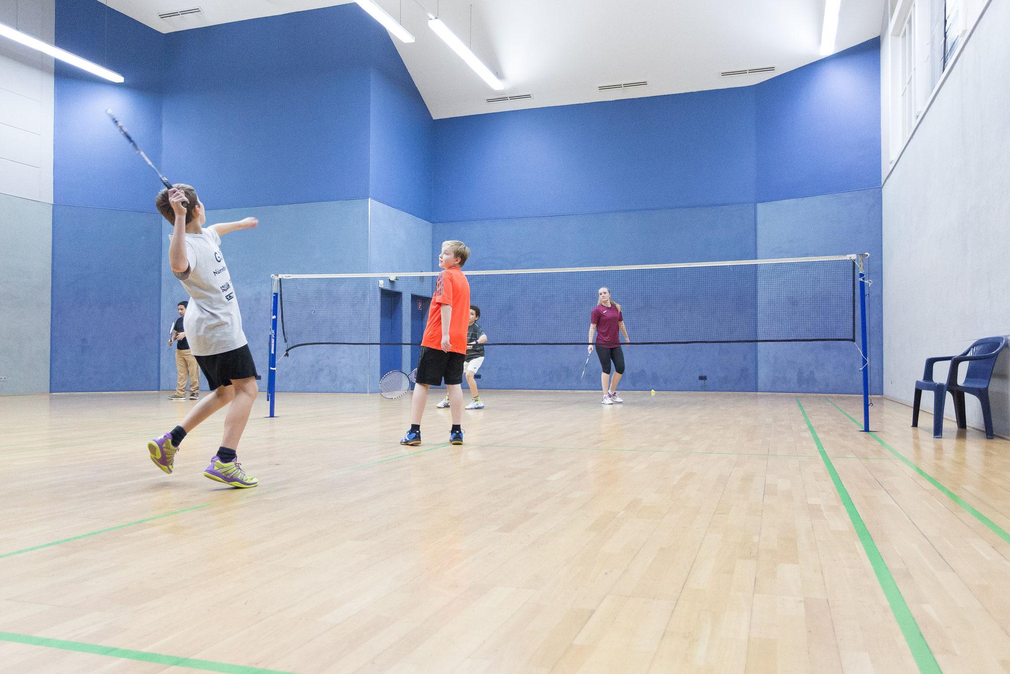 Die spezielle Beleuchtung sowie die Höhe der Halle verleihen dem Spieler ein Höchstmaß an Komfort und Spielgenuss.