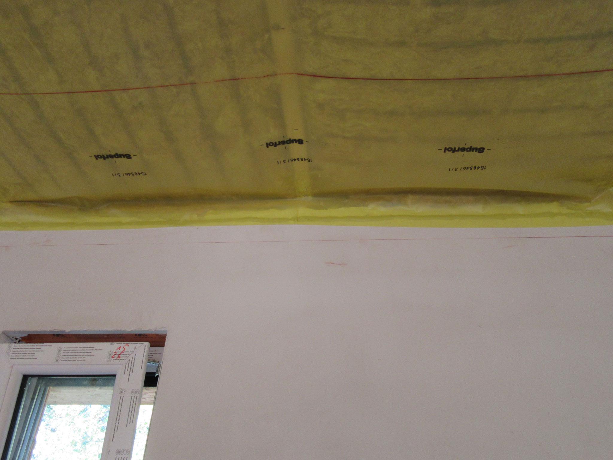 Verklebung der Folie auf das Mauerwerk (Dampfbremse)