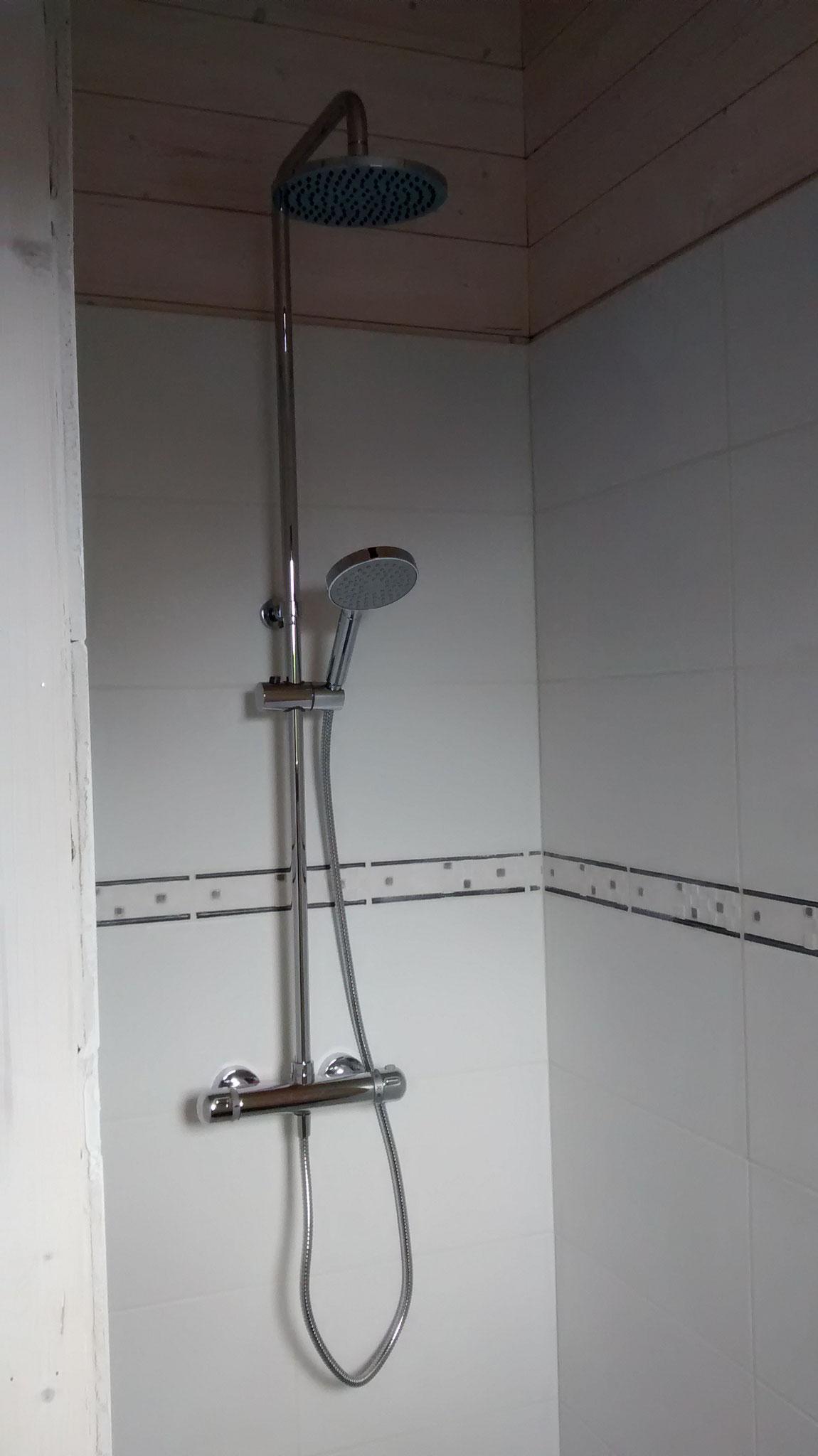 Colonne de douche posée