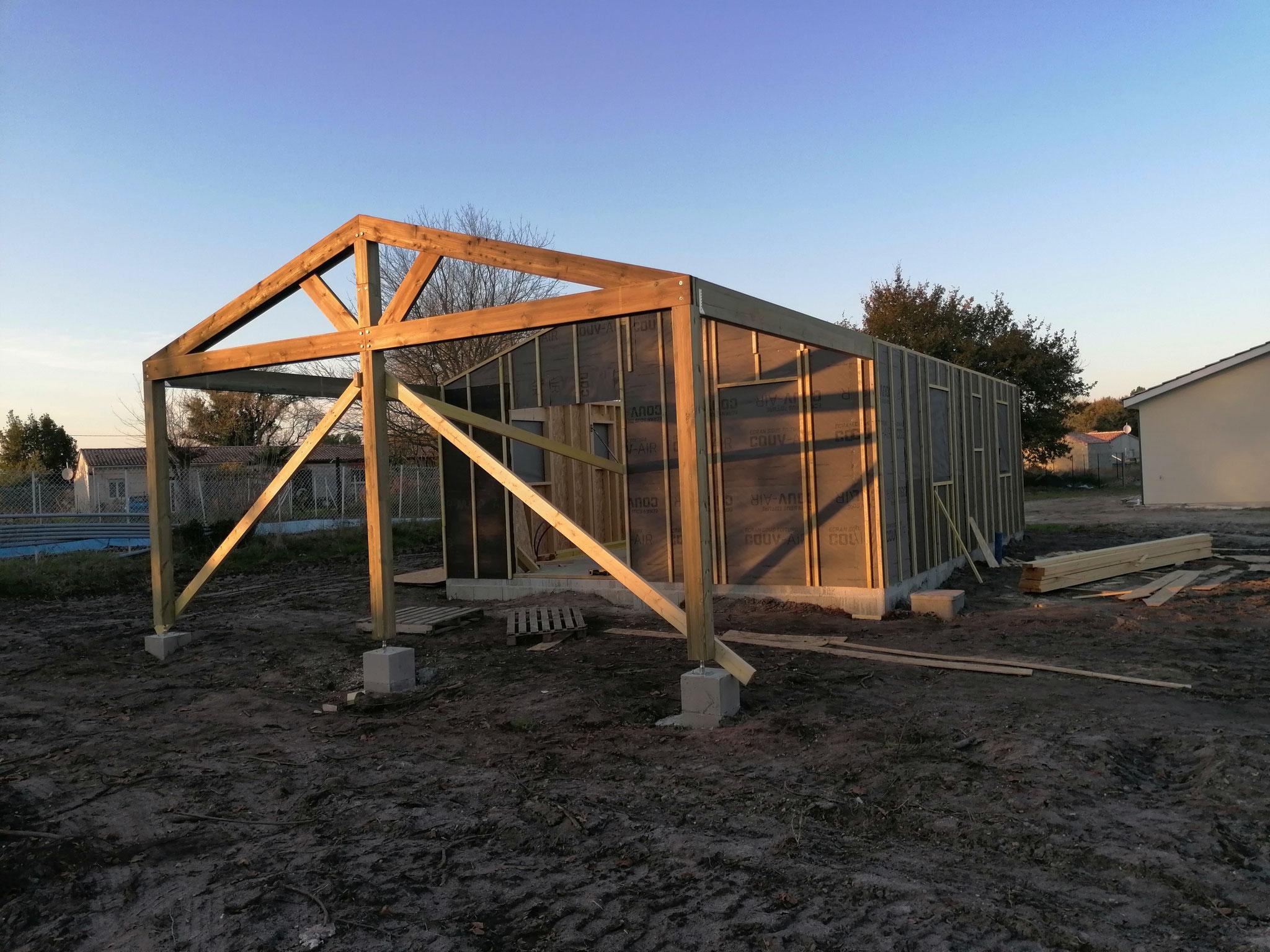 Création de la ferme sur poteau pour charpente terrasse