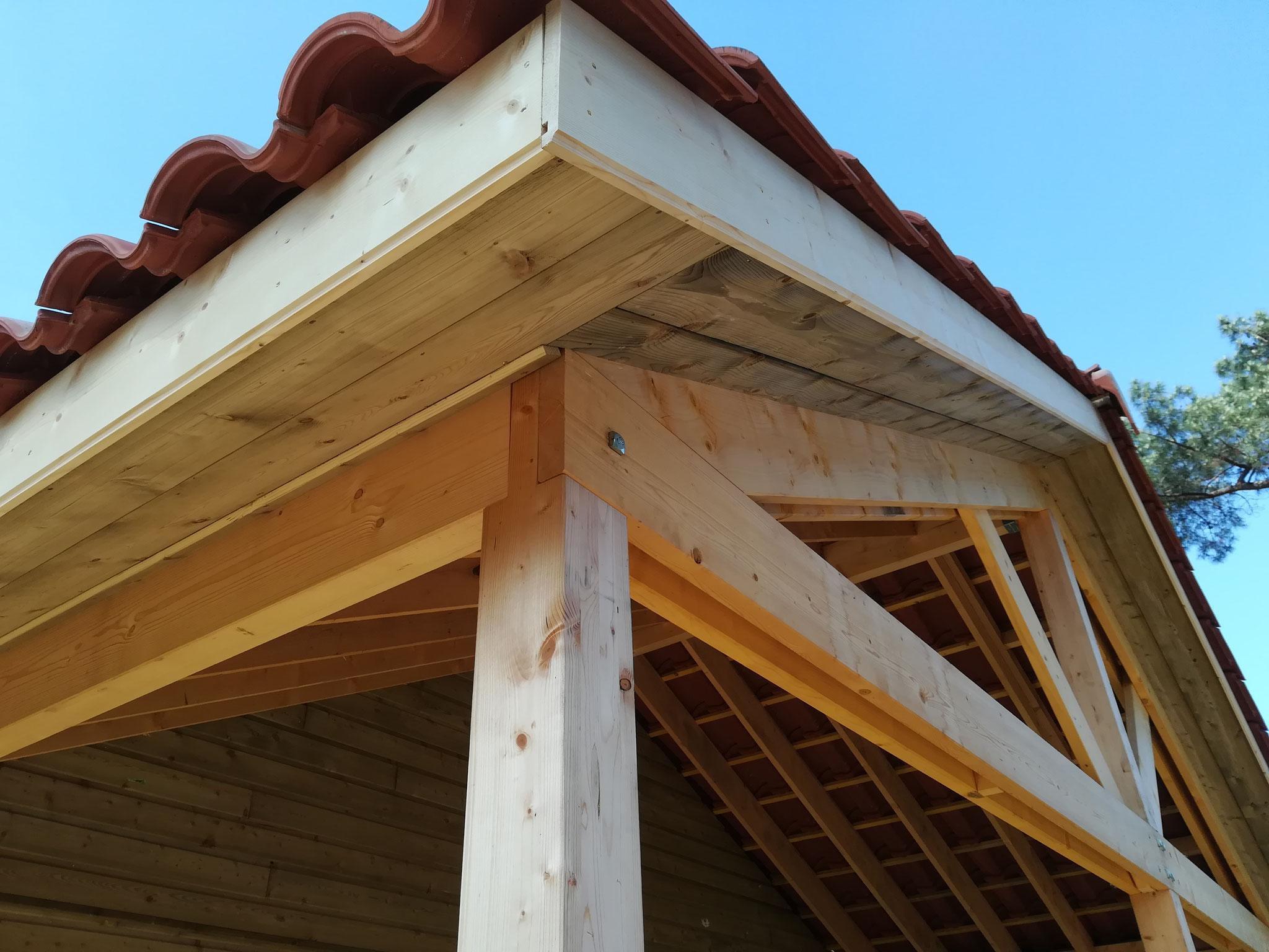 Pose des sous faces d'avant-toit