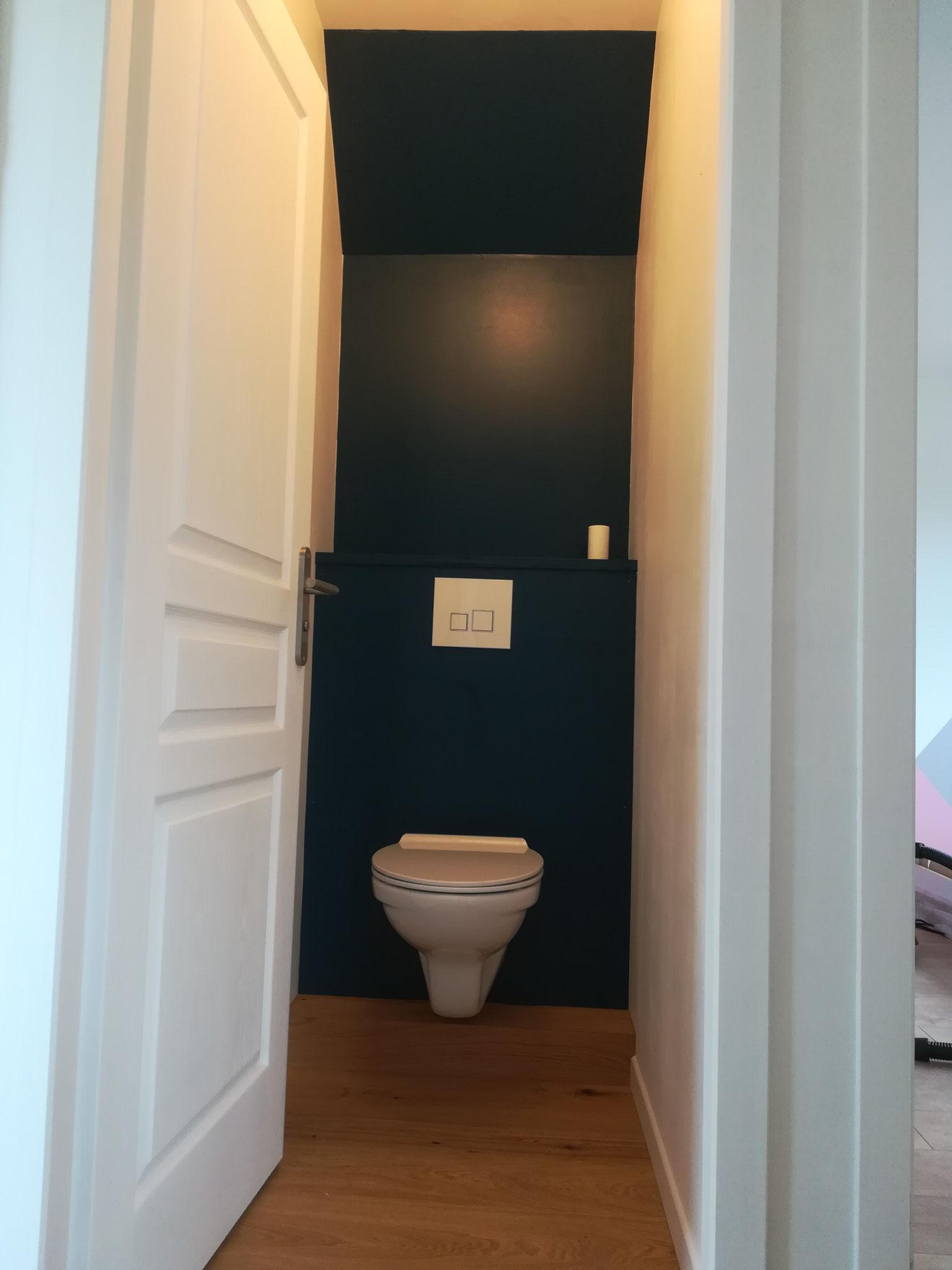 WC suspendu en place