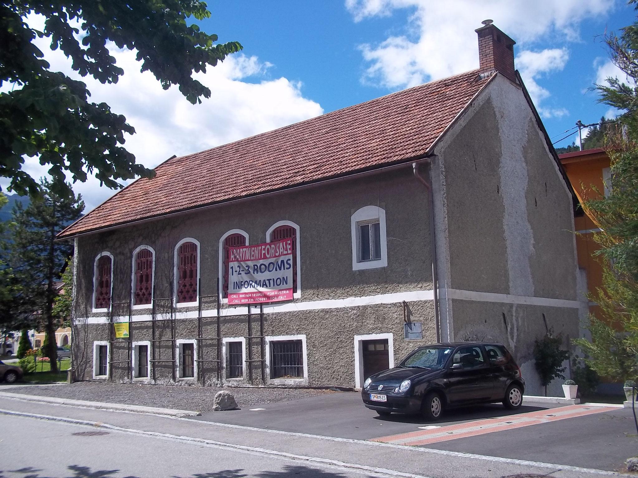 Leerstehendes Gebäude, ca. 2012