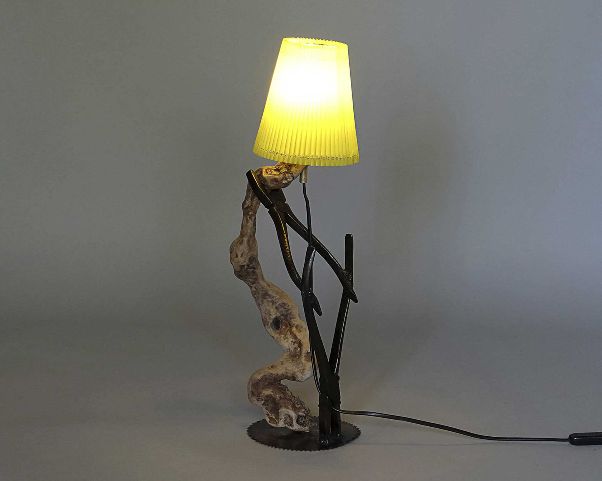 Upcycling Tischlampe Quinque