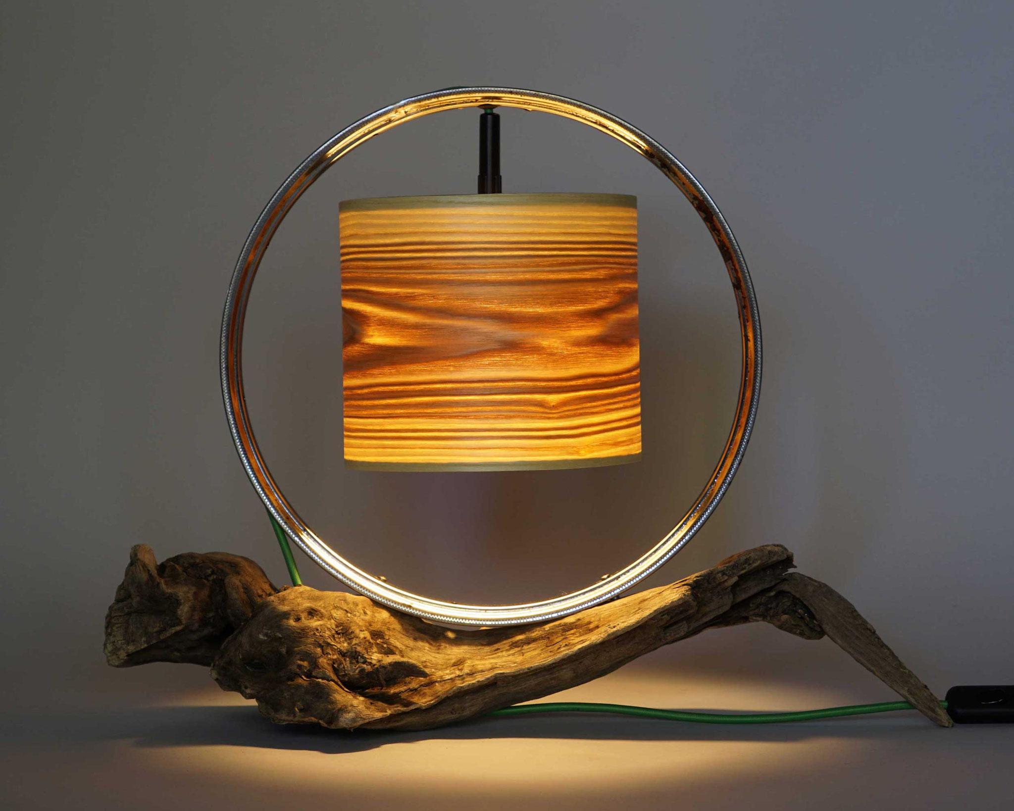 Upcycling Tischlampe Birota I
