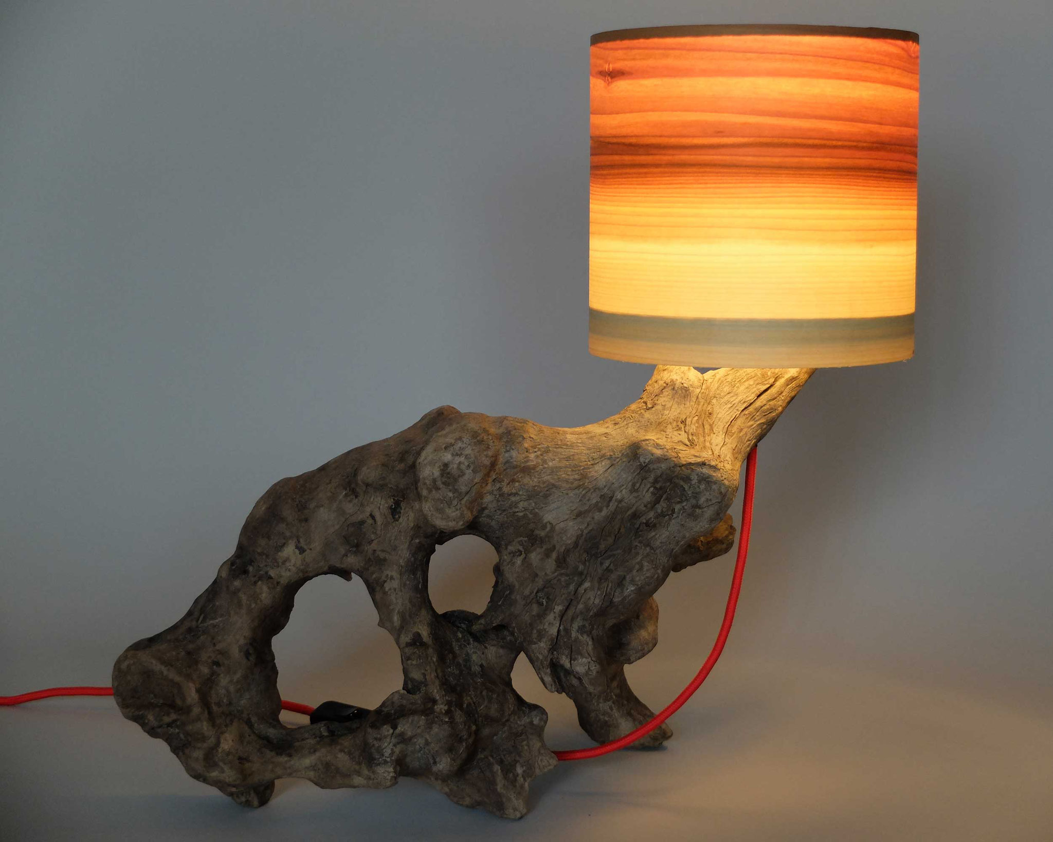 Upcycling Tischlampe Lupus