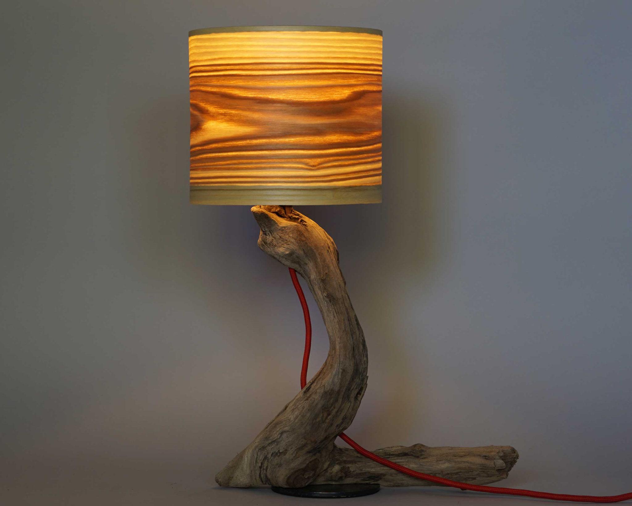 Upcycling Tischlampe Portentum