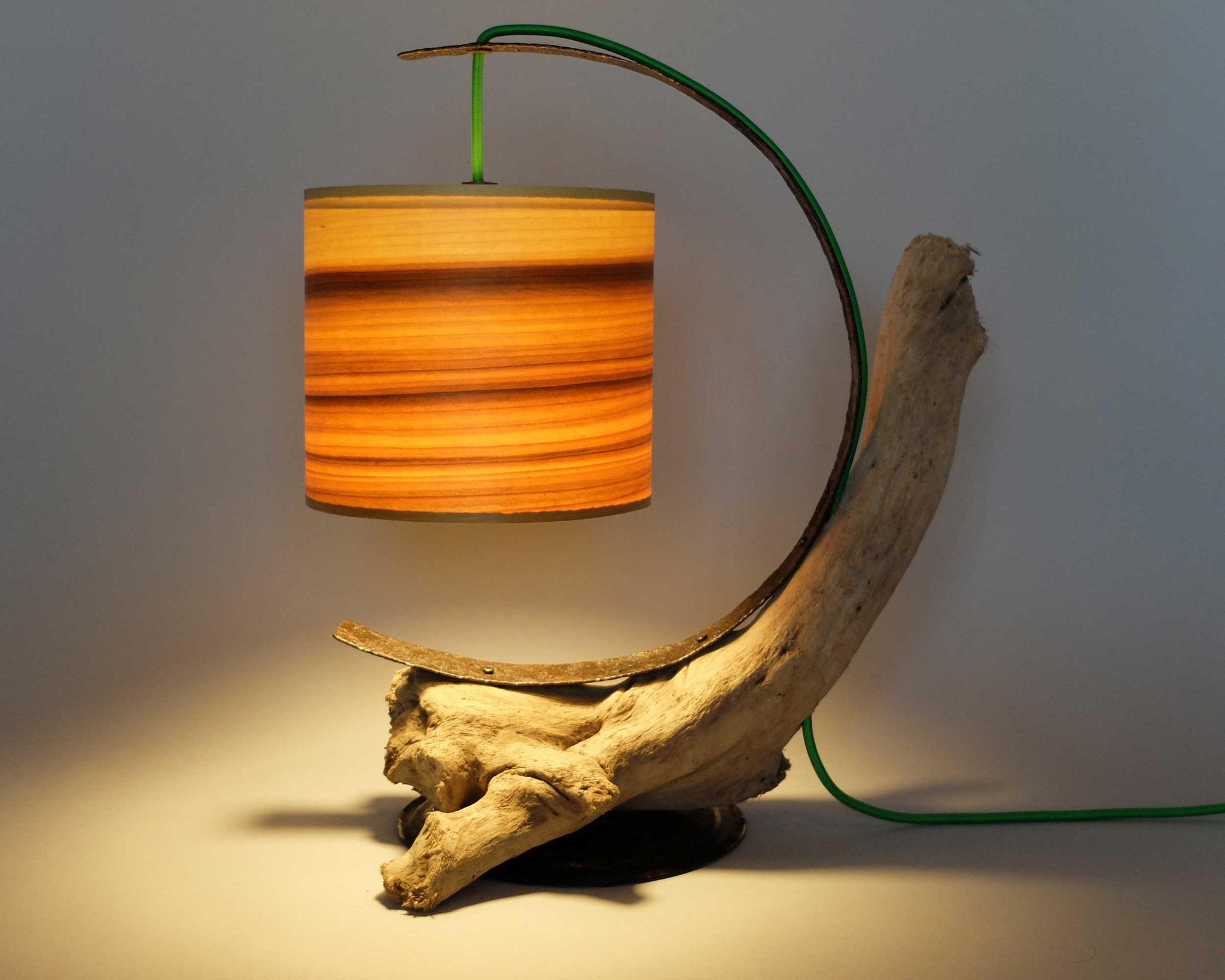 Upcycling Tischlampe Centum