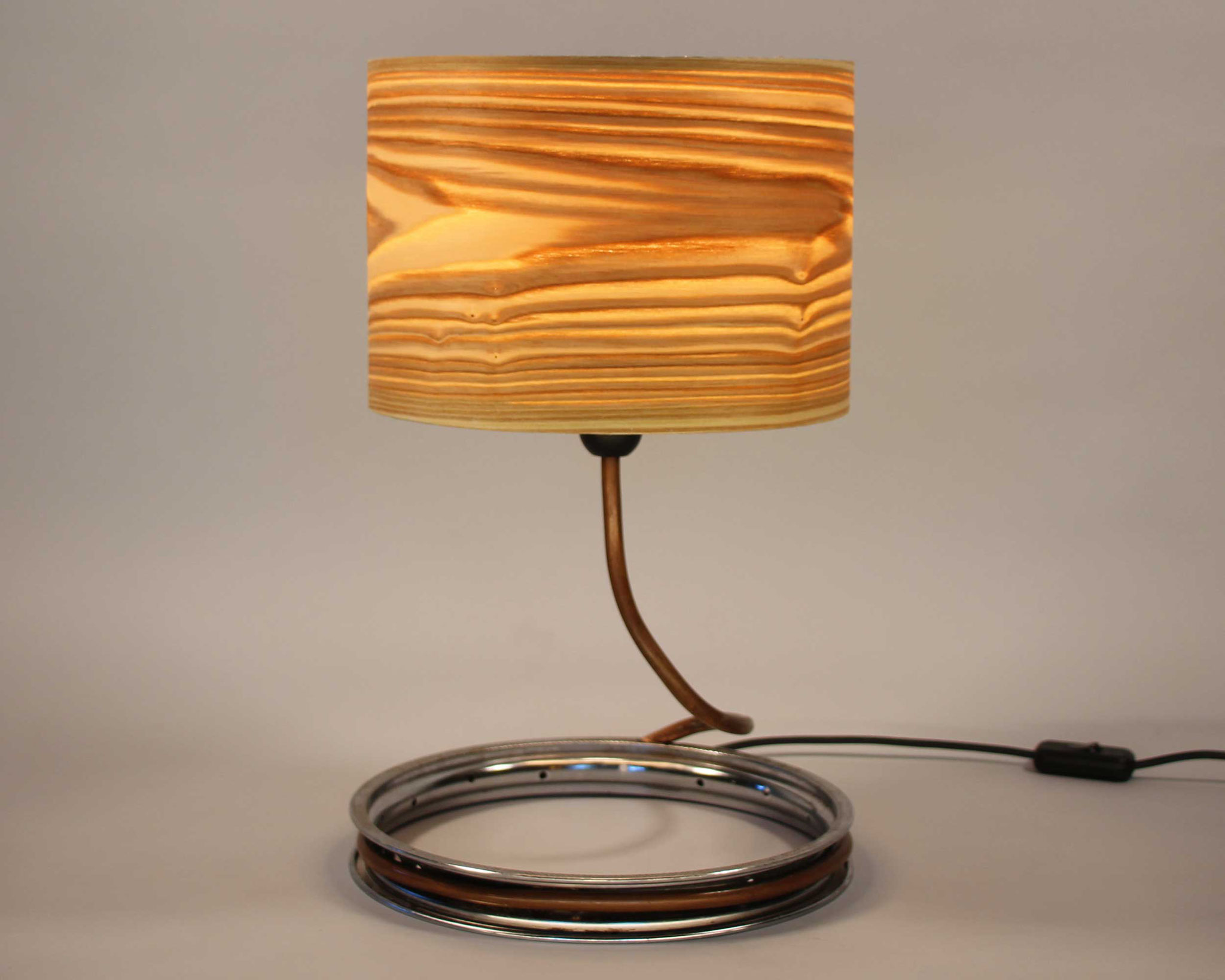 Upcycling Tischlampe Viperinus