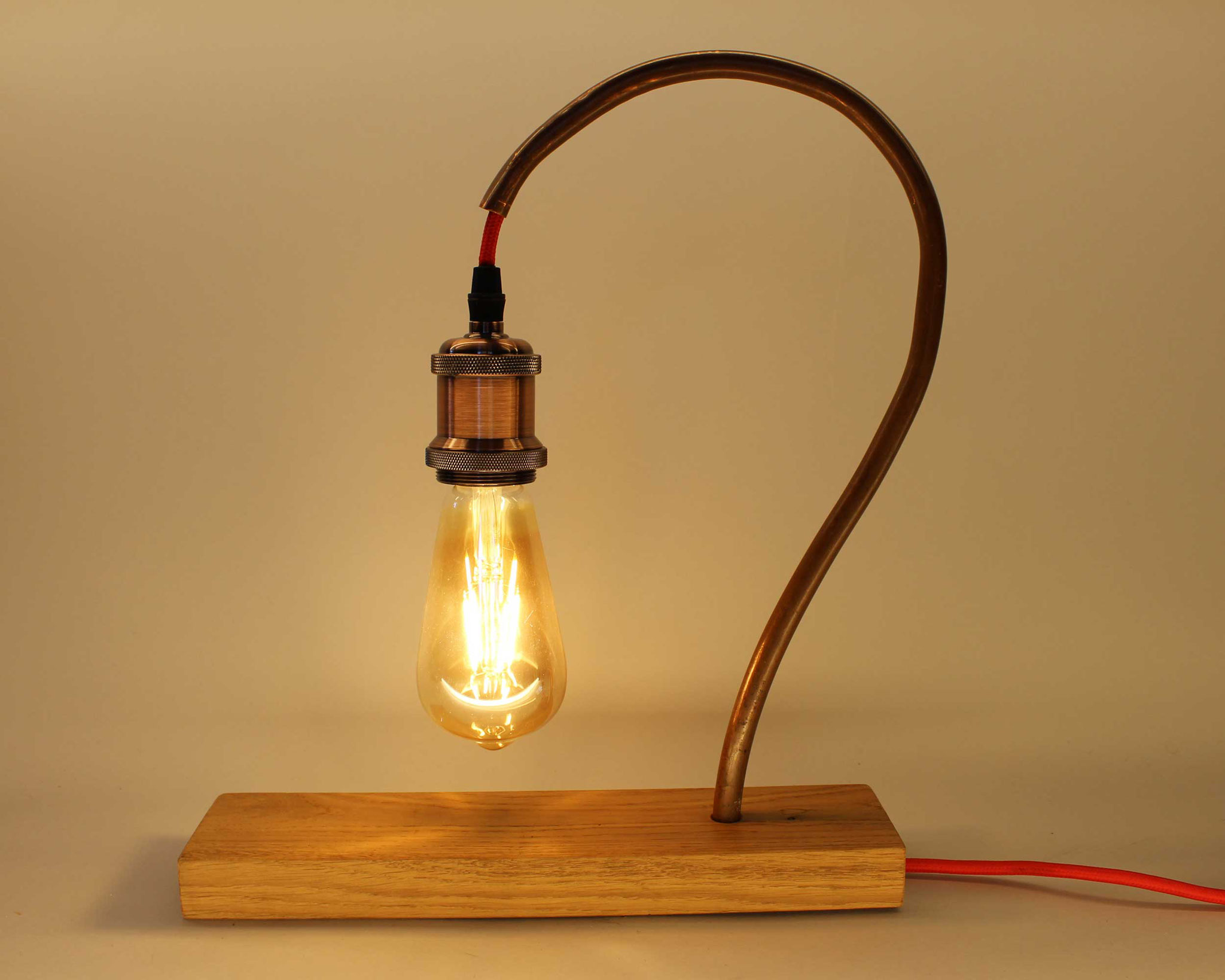 Upcycling Tischlampe Signum