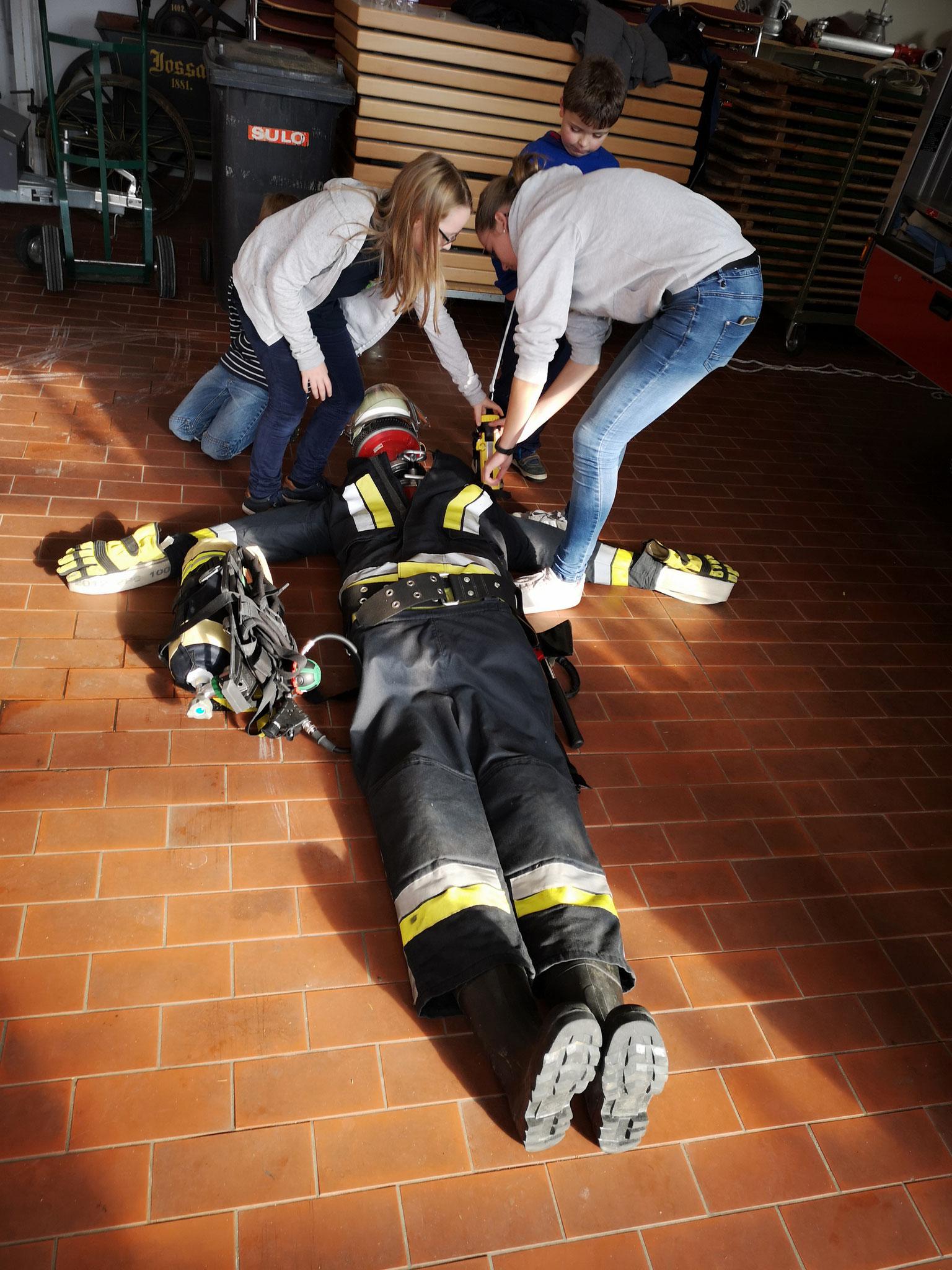 Der Feuerwehrmann, aus Feuerwehr-Materialien