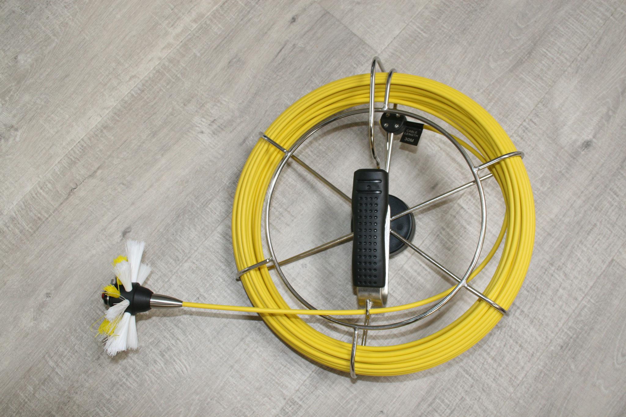 Es können Bürsten mit verschiedenen Durchmesser einfach und schnell befestigt und gewechselt werden