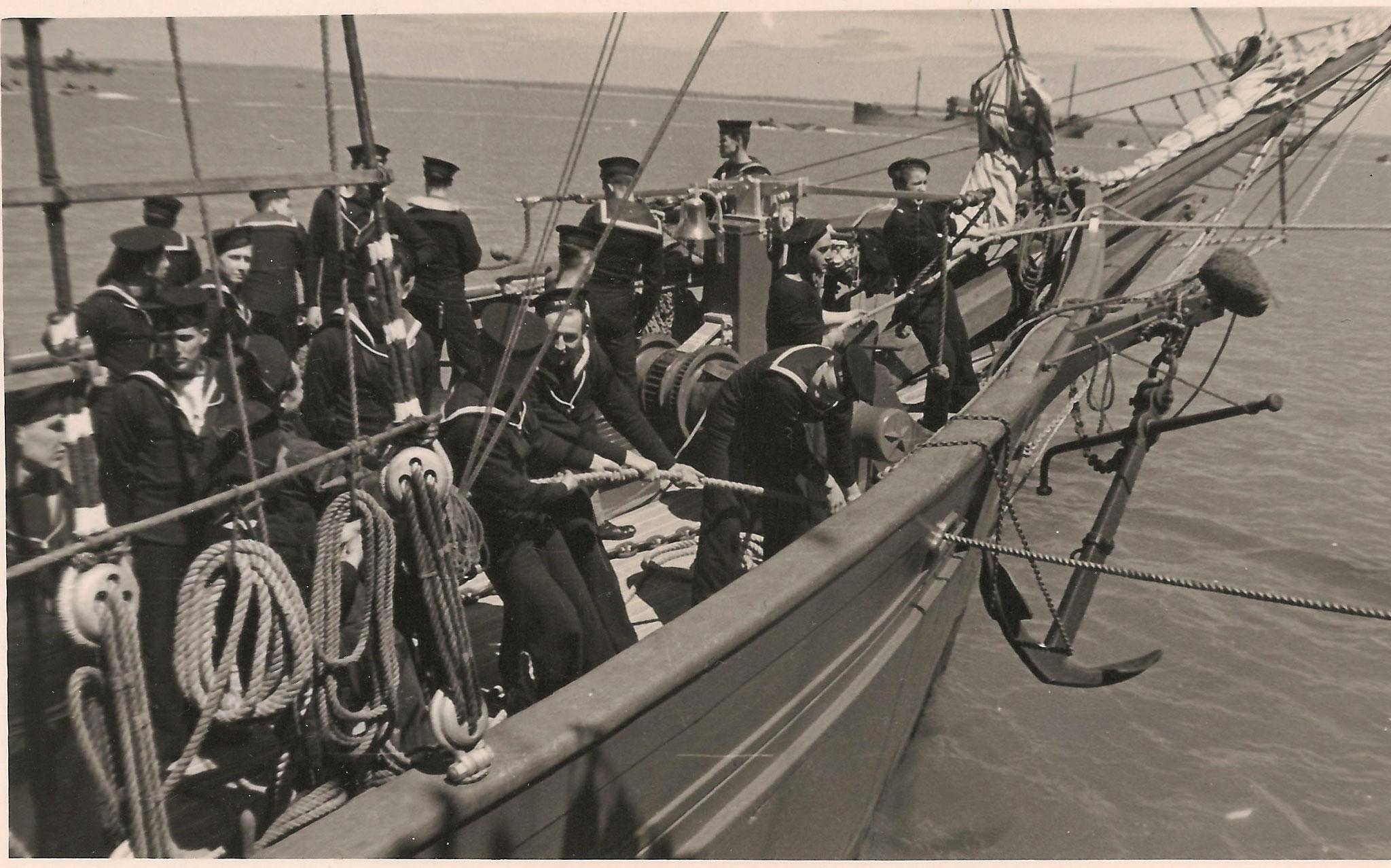 7 juin 1941 les cadets anglais sur la Belle Poule. Copyright Cédric Thomas