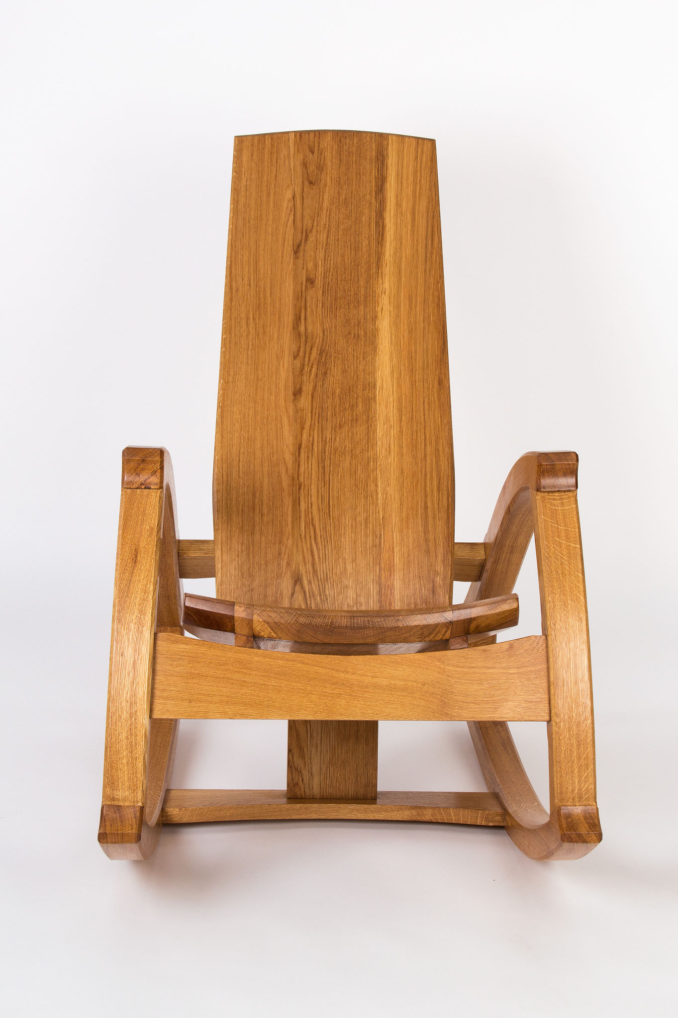 Geschnitzte Sitzfläche COS 88, unser neues Design.