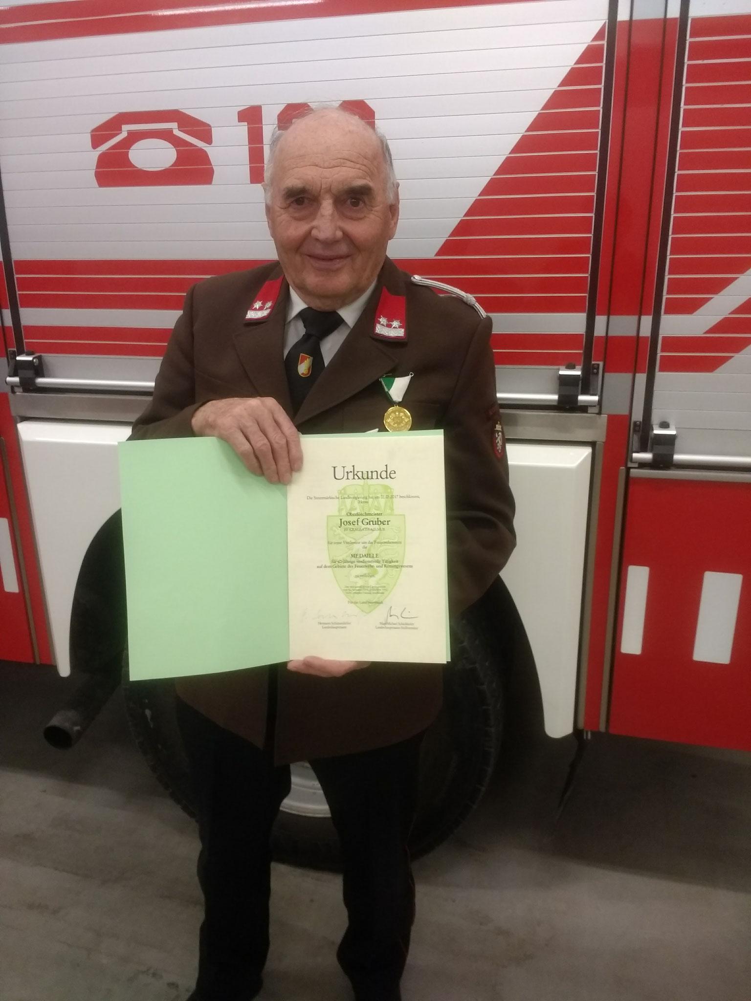 60 jährige Josef Gruber