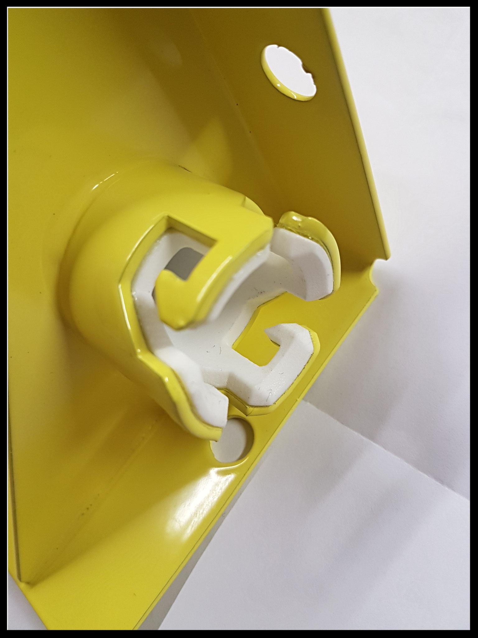 Montage buis met bajonetsluiting.