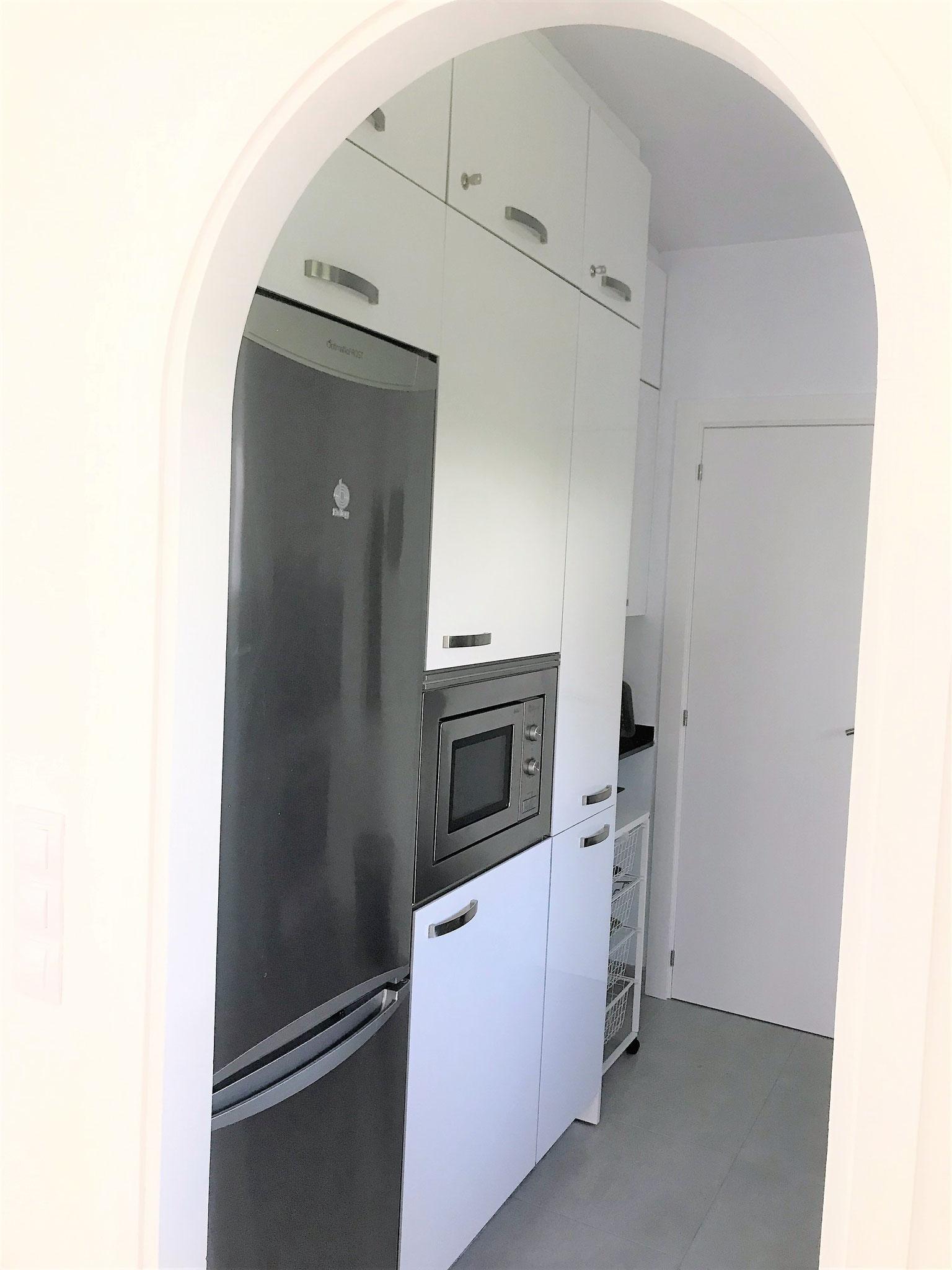 Küche inkl. Kühl- und Gefrierschrank / Microwelle